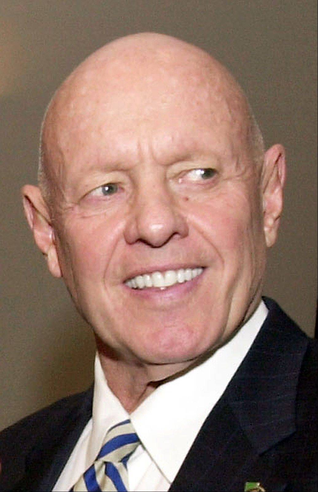 "Dr. Stephen R. Covey, the motivational speaker best known for the book ""The Seven Habits of Highly Effective People,"" died Monday, three months after a serious bicycle accident in Utah."