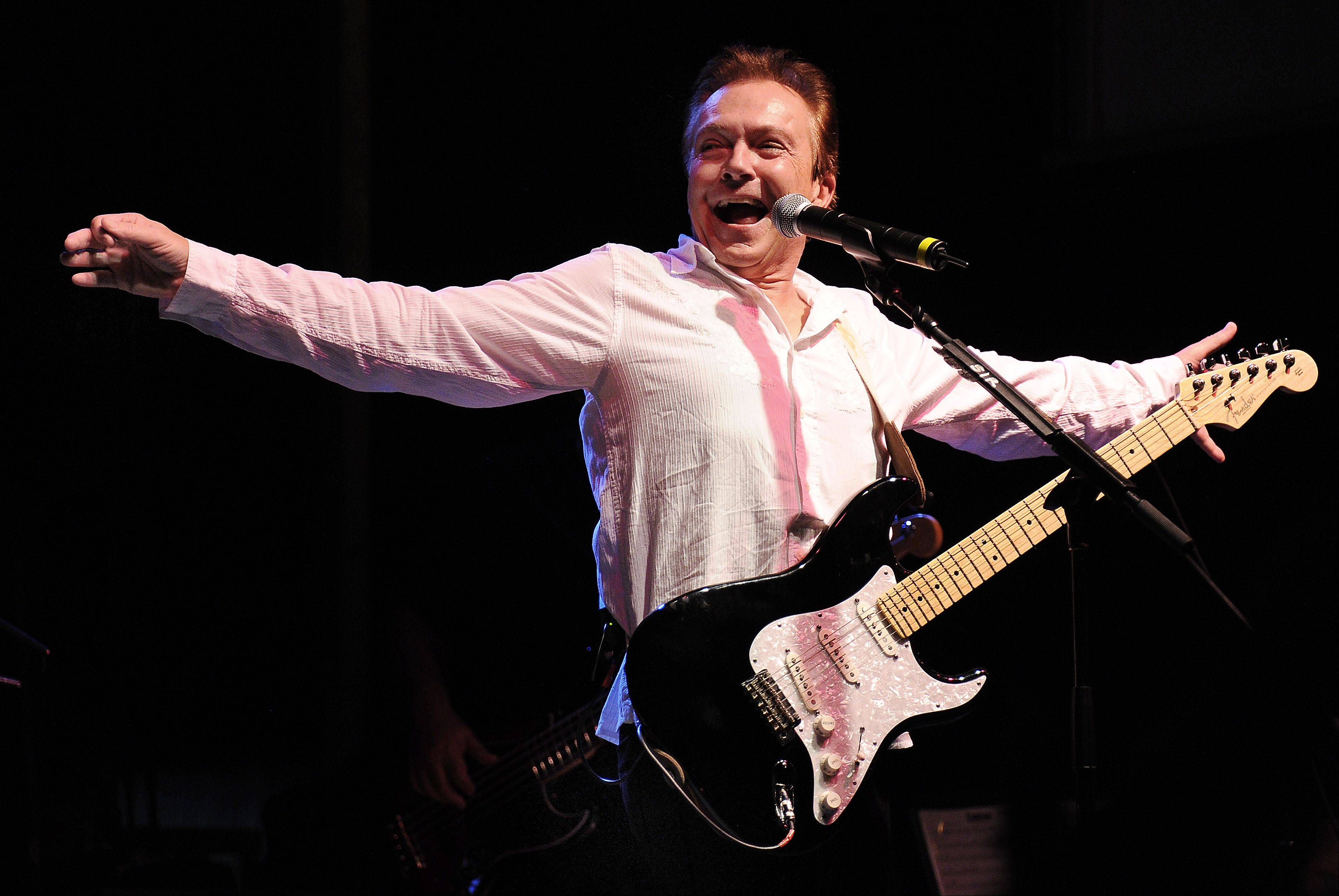 Mark Welsh/mwelsh@dailyherald.com Singer David Cassidy entertains thousands Saturday night at the Des Plaines Summer Fling.