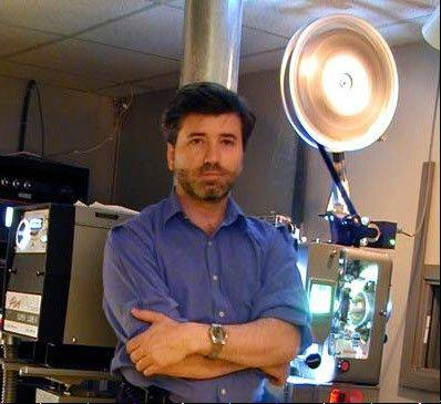 Steve Kraus, owner of Chicago-based Lake Street Screening Room and projectionist for film critic Roger Ebert's film festivals, said cinemas need to switch to digital if they expect to remain in business in the future.