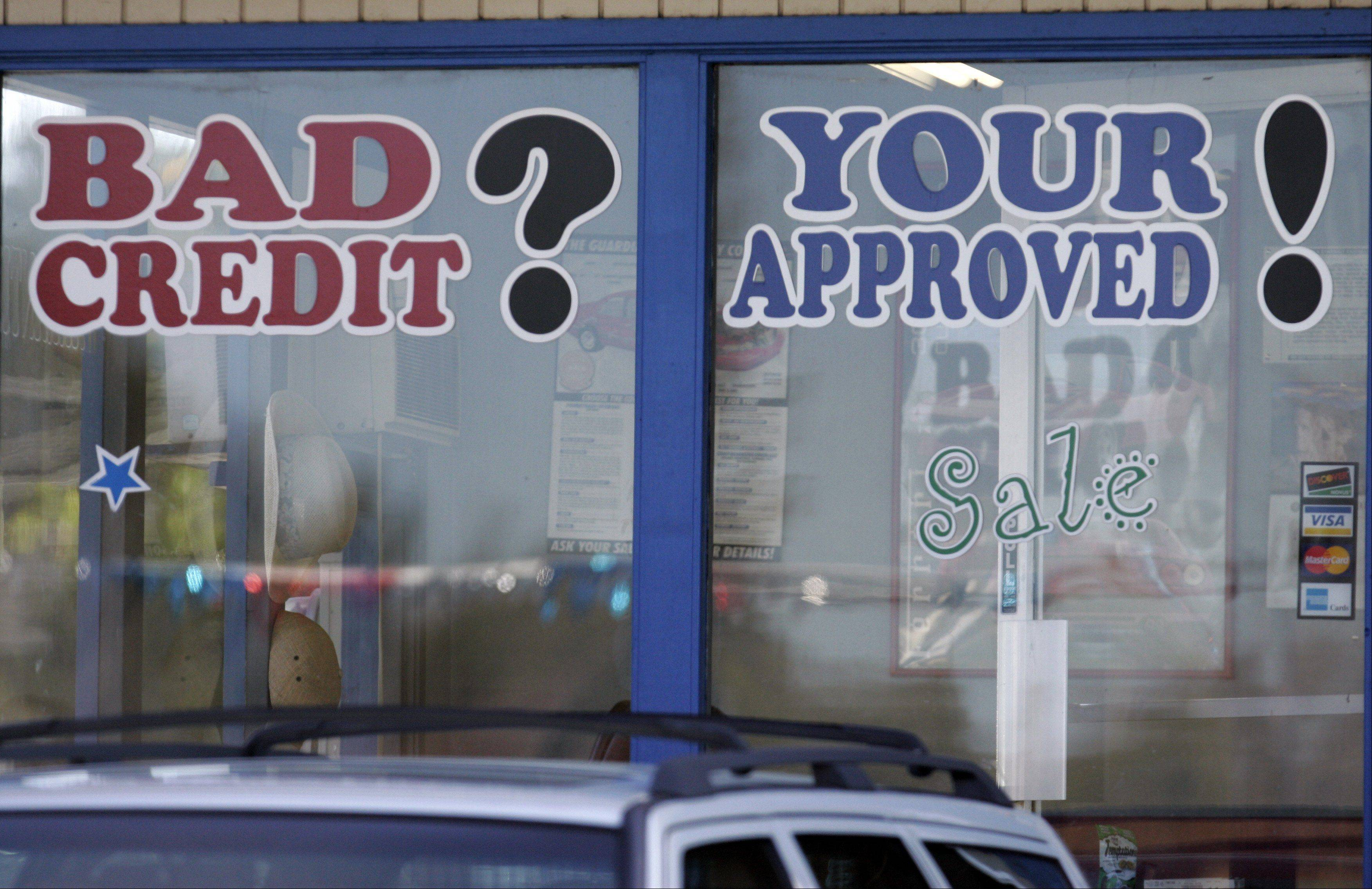 U.S. banks and auto finance companies are once again welcoming all kinds of customers, even those with less-than-stellar credit. The average credit scores of new and used car buyers, which spiked during the economic downturn, have fallen to nearly the same level as 2008.