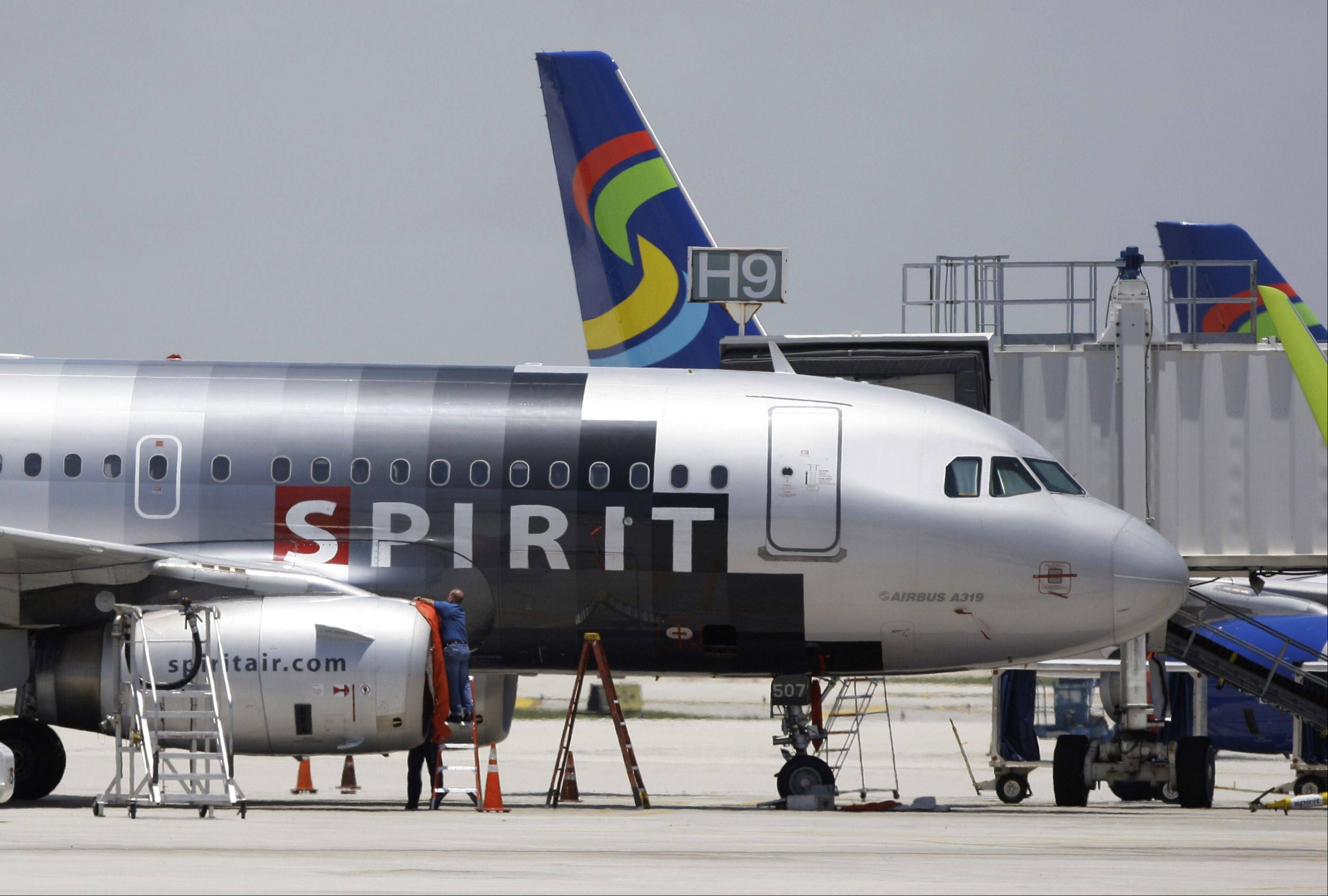 Spirit Airlines Inc. and Southwest Airlines Co. lost a challenge to U.S. rules requiring carriers to prominently display the total cost of a ticket, including taxes, when advertising airfares.