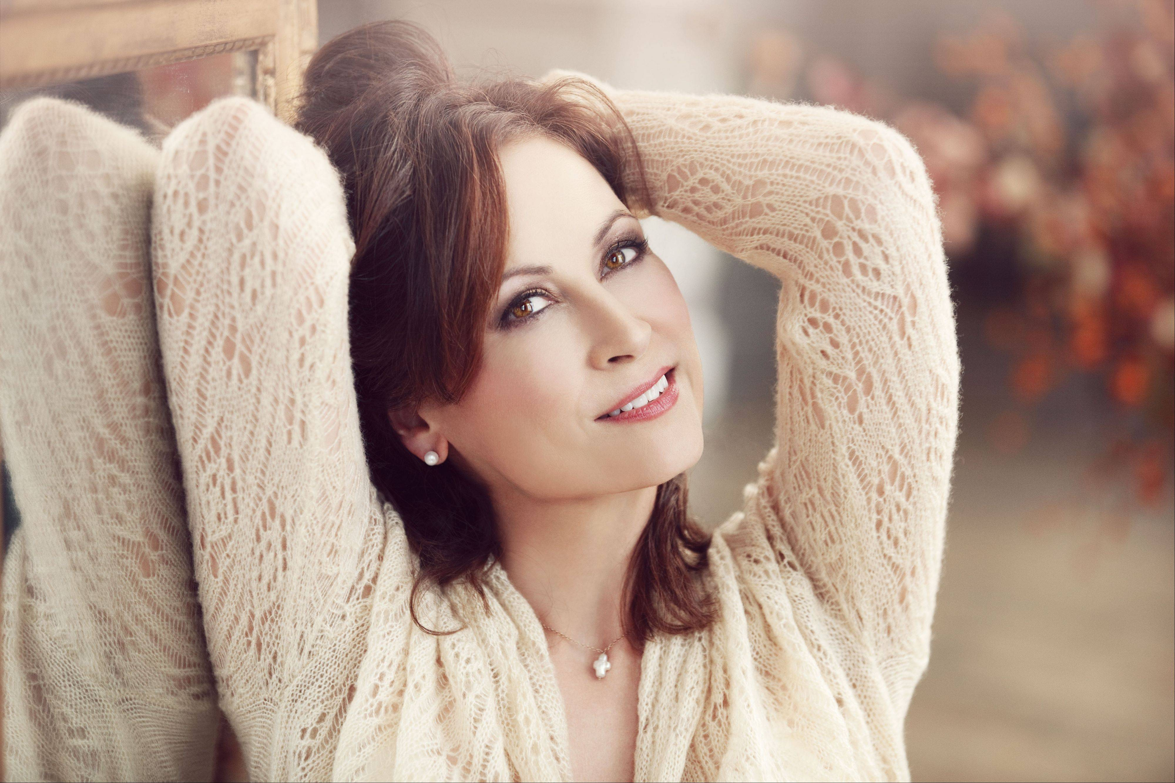 Linda Eder will perform at Viper's Alley in Lincolnshire.