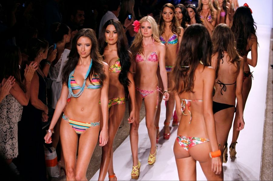 Bikini girls fashion show