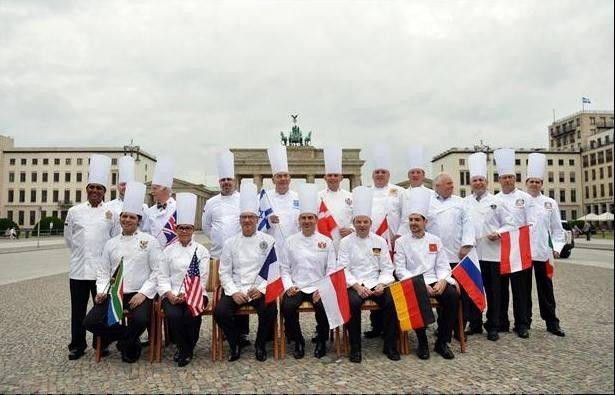 The Club des Chefs des Chefs -- a club of chefs for political leaders -- toured Paris after a trip Berlin that included a meeting with Chancellor Angela Merkel.