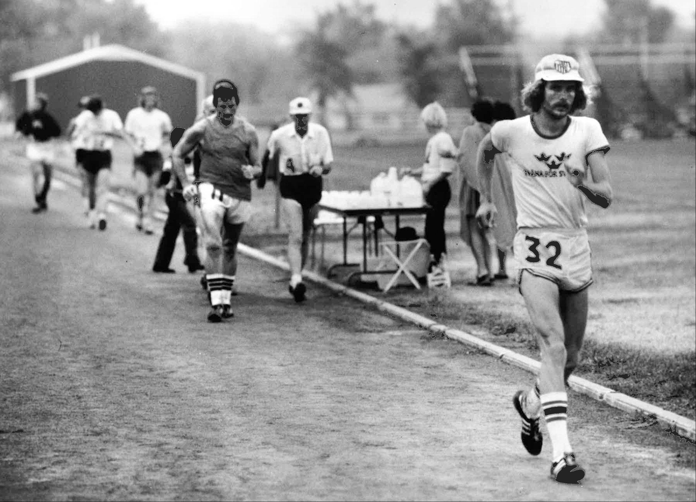 On his way to winning the national championship 100-mile racewalk in 1976, Augie Hirt leads defending champion Chuck Hunter, left, and American record-holder Larry O'Neil. Only 25, Hirt credits Hunter's taunting for inspiring him to keep going.