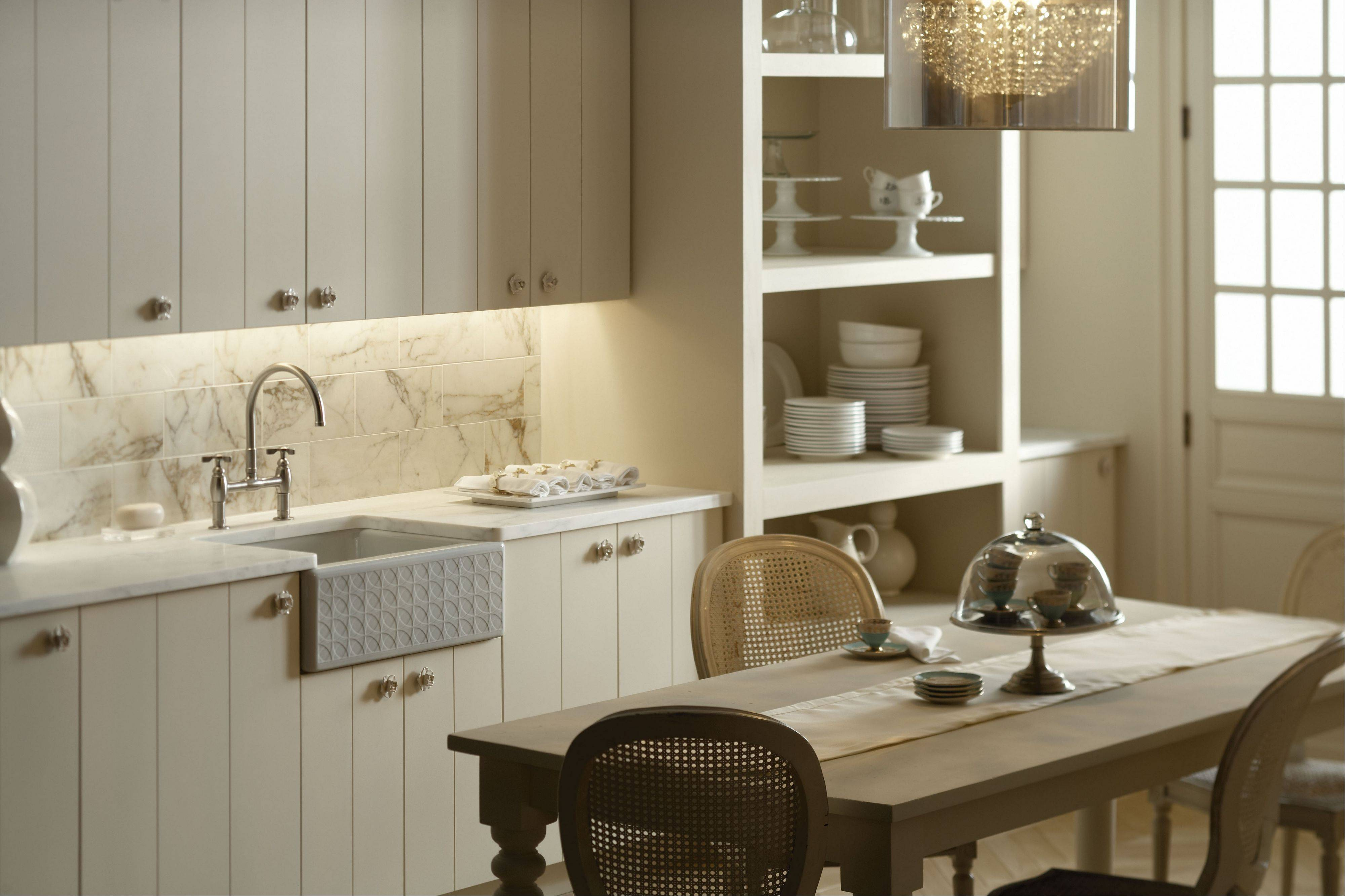 Farmhouse Chic: Simple White Or Cream Cabinets, Open Shelving And A Casual  Dining Area