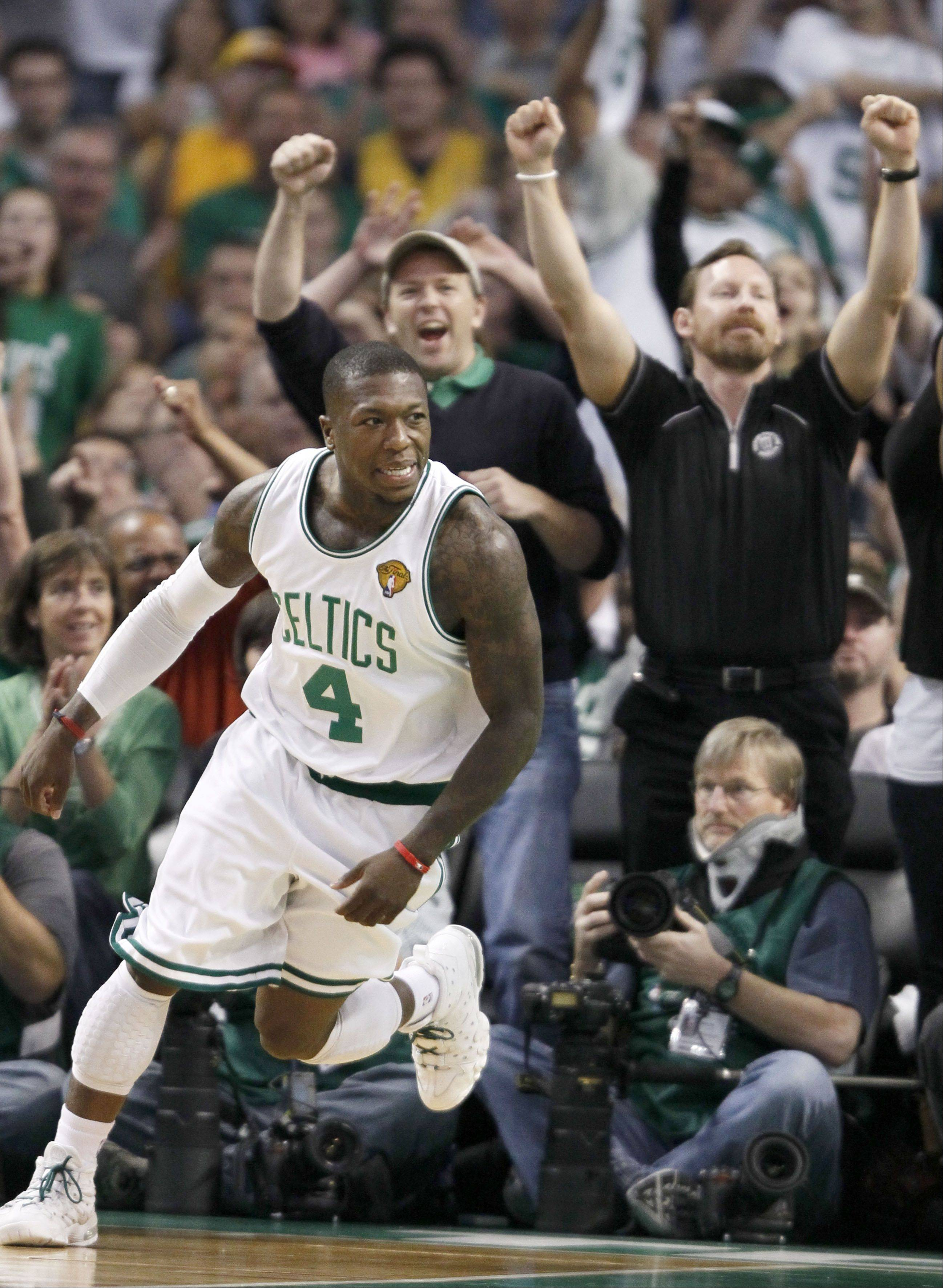 Nate Robinson, shown here playing with Boston, officially signed a one-year deal worth $1.1 million on Tuesday.