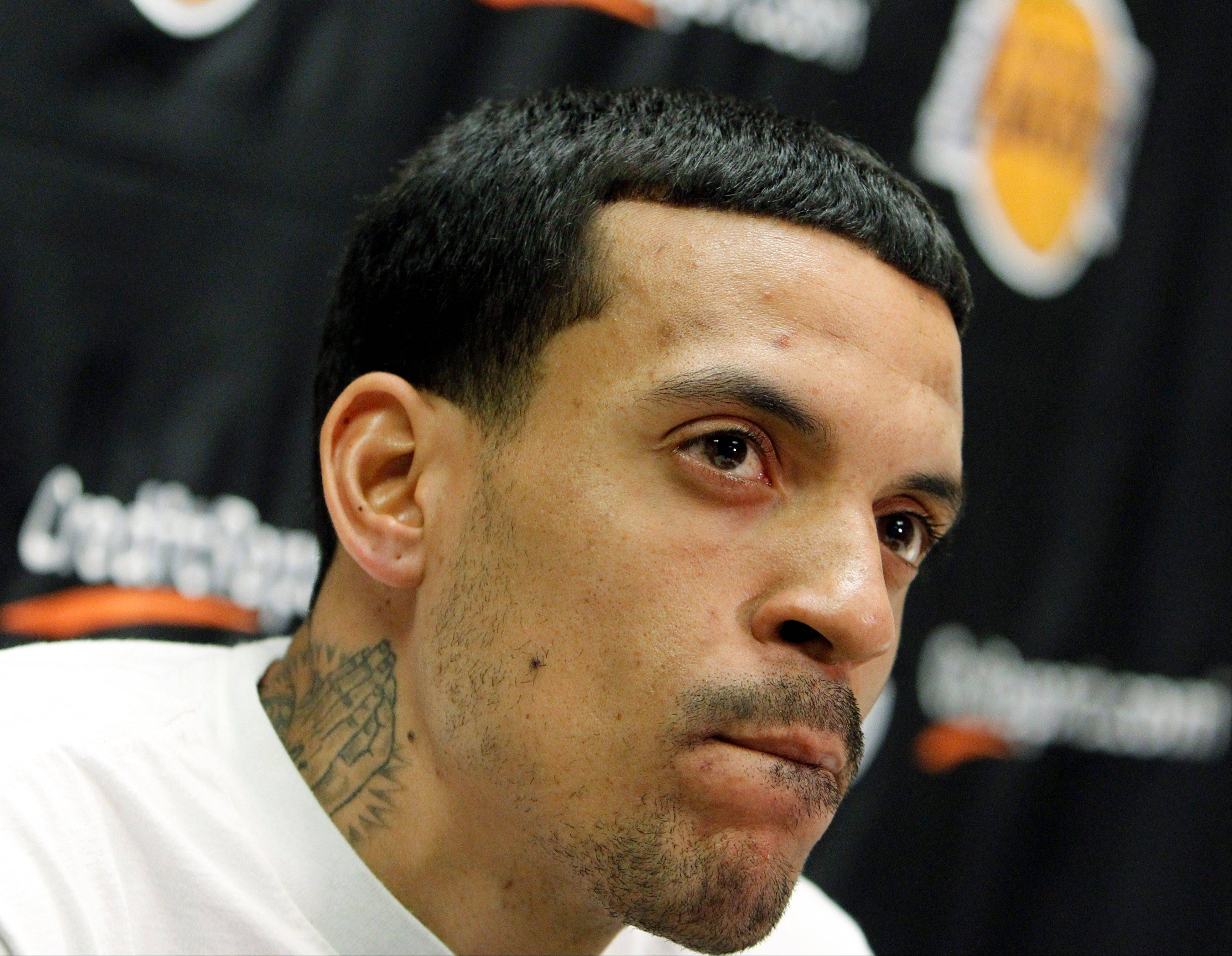 Los Angeles Lakers forward Matt Barnes has been released from jail after being arrested on suspicion of threatening a police officer who stopped him for a traffic warrant. Manhattan Beach police Sgt. Paul Ford says Barnes posted $51,000 bail and was released shortly before 11:30 p.m. Monday, July 30, 2012, some three hours after his arrest.