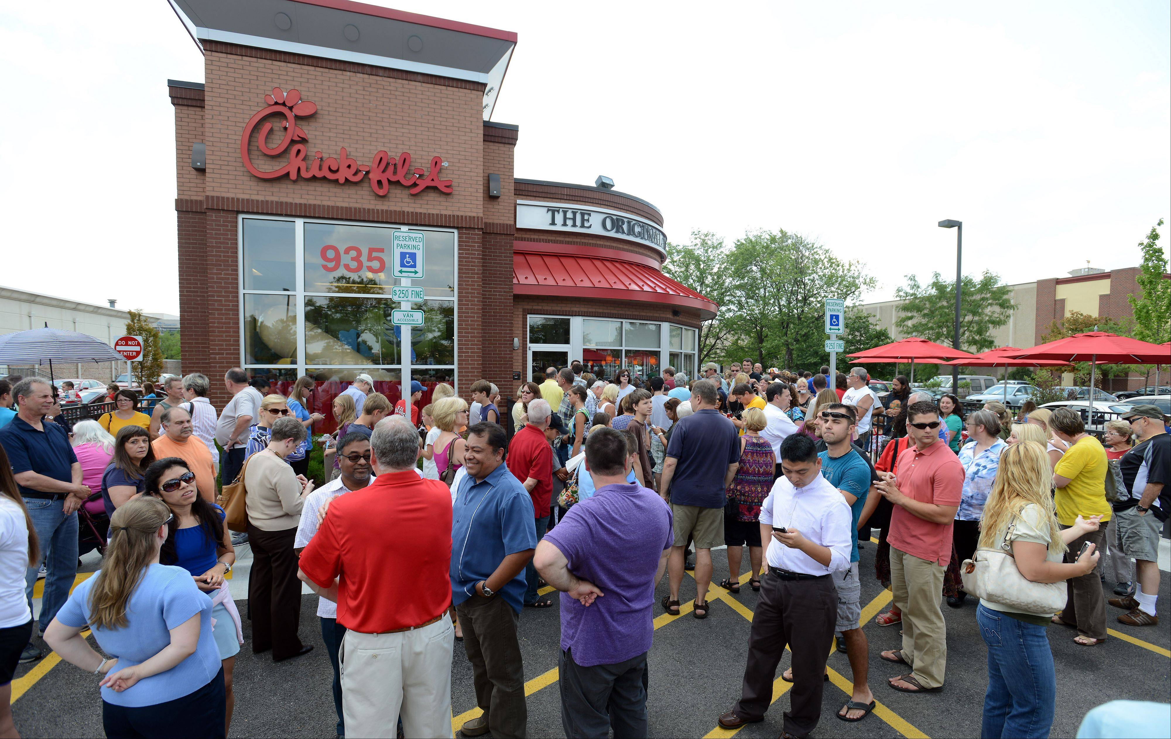 Chick-fil-A supporters turned out at this Schaumburg restaurant Wednesday in a show of support for the company, which has come under fire because of its president's stand against gay marriage.