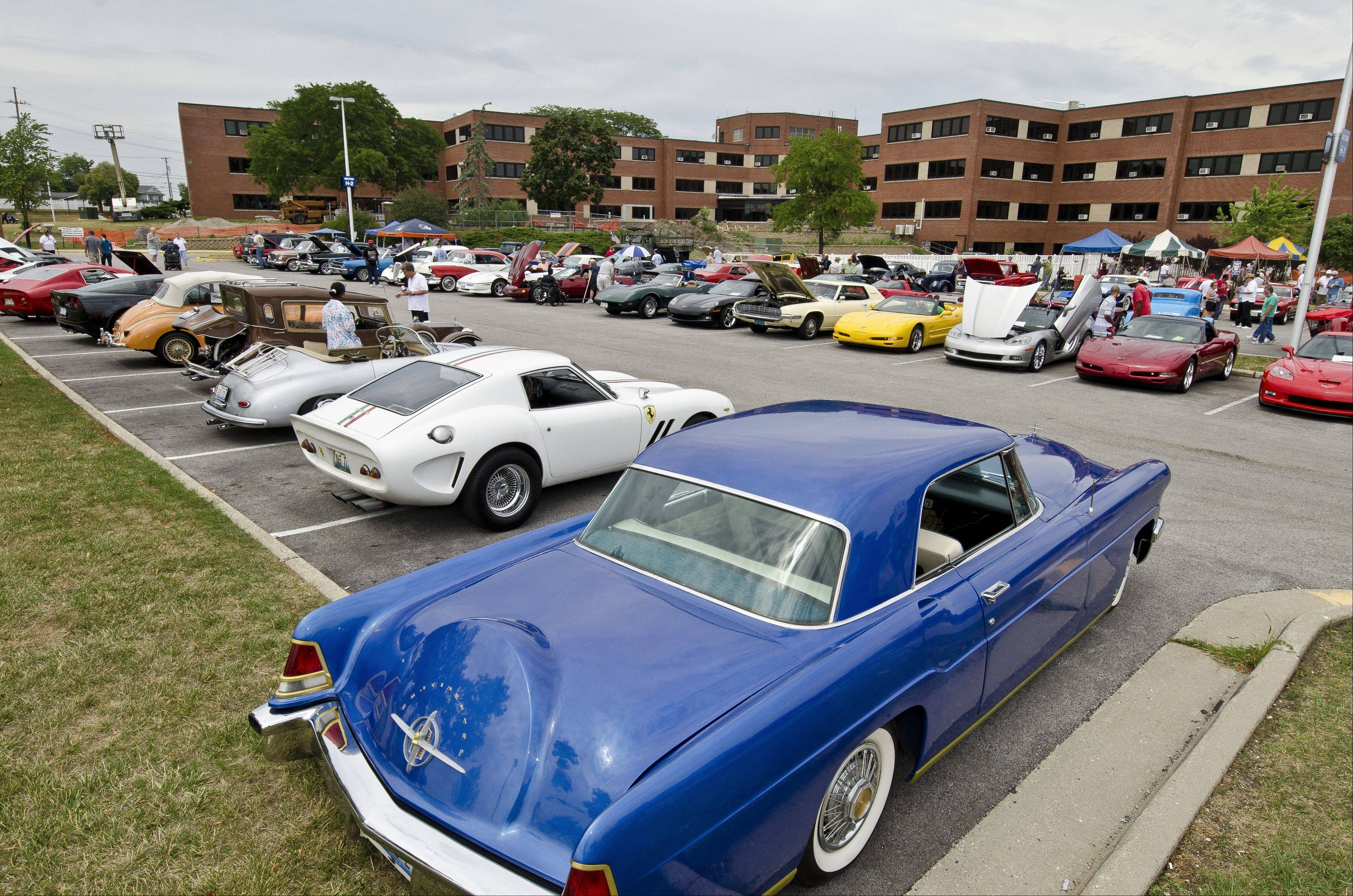 More than 200 show-car owners recently attended the ninth annual event at the veterans hospital at Naval Station Great Lakes.