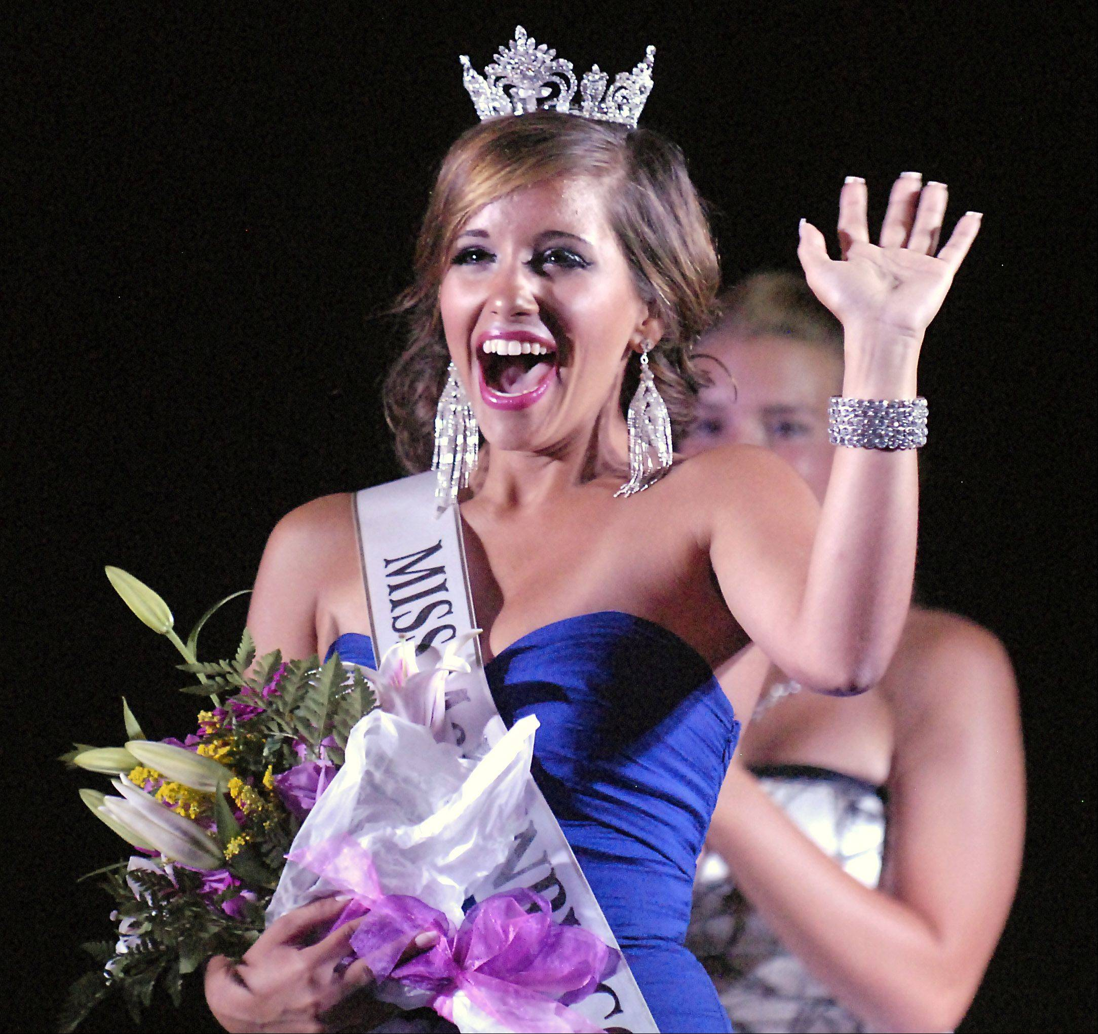 Samantha Bolet, 17, of Lake in the Hills wins the crown in the 2012 Miss McHenry County Queen pageant.