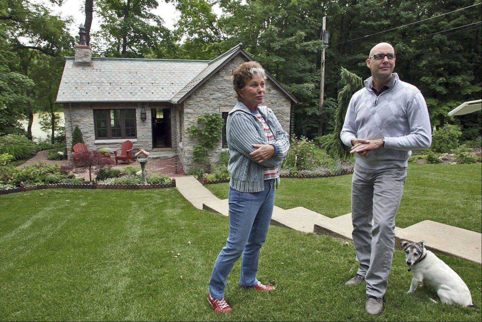 Homeowner Patricia Newton sought the expertise of designer Jeff Murphy to rebuild her former log cabin.