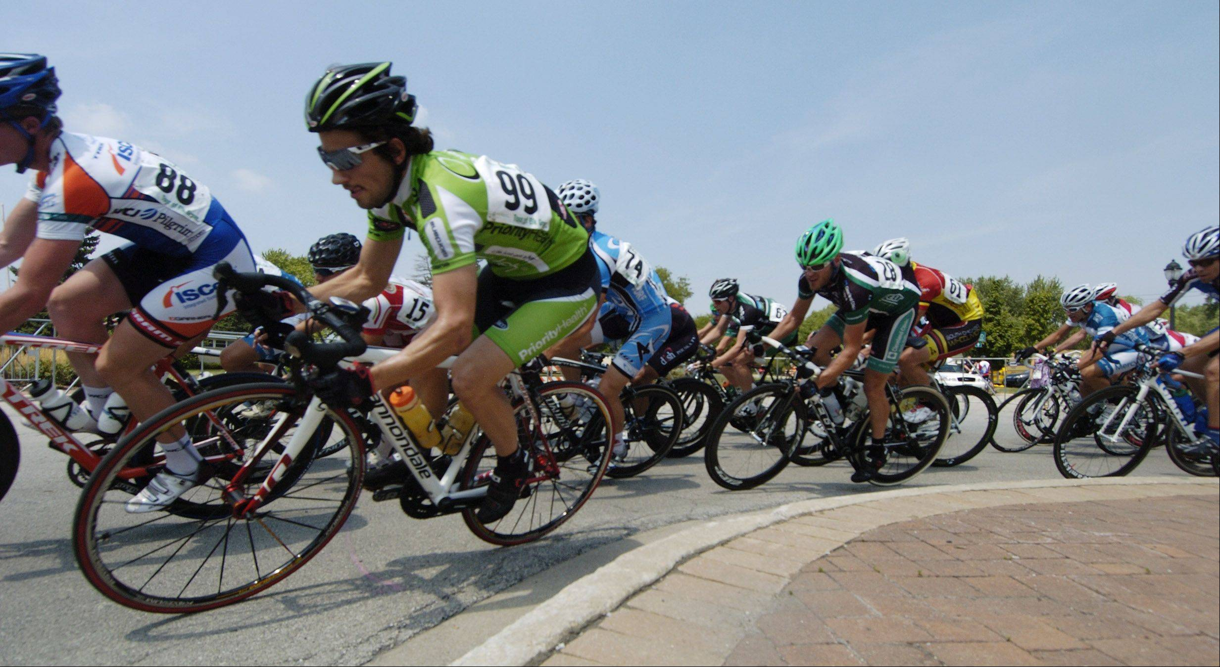 Rain delays, shortens Tour of Elk Grove men's race