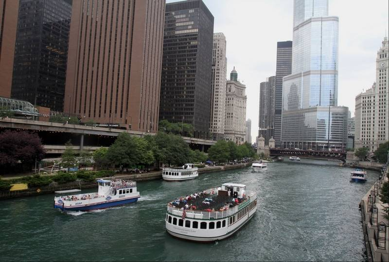Docents from suburbs love to lead chicago architecture for Architecture tour chicago boat