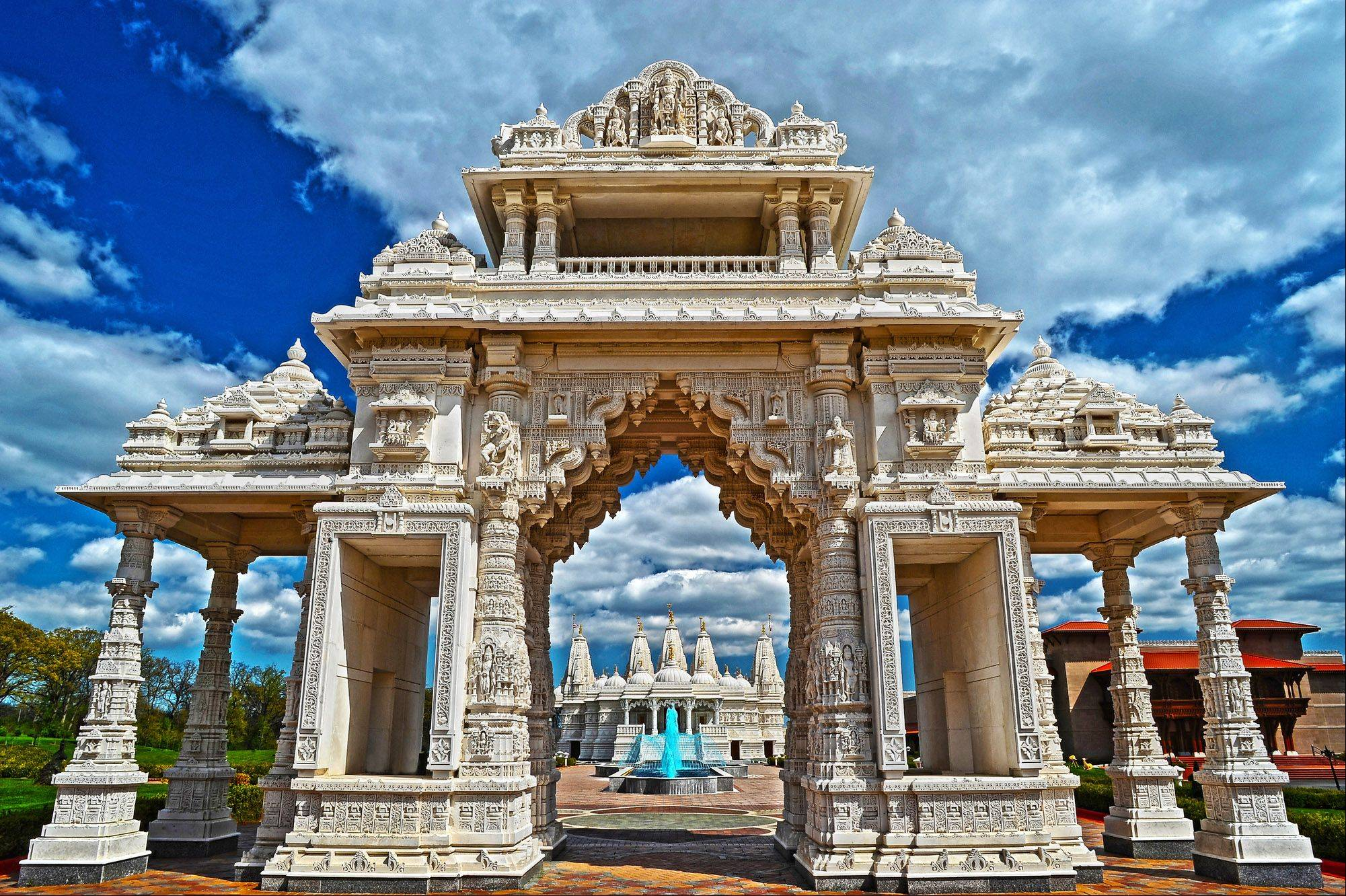 I'm experimenting with HDR at Shri Swaminarayan Mandir Temple in Bartlett IL. Focus, interest and wonder in this masterpiece of ancient design and workmanship.