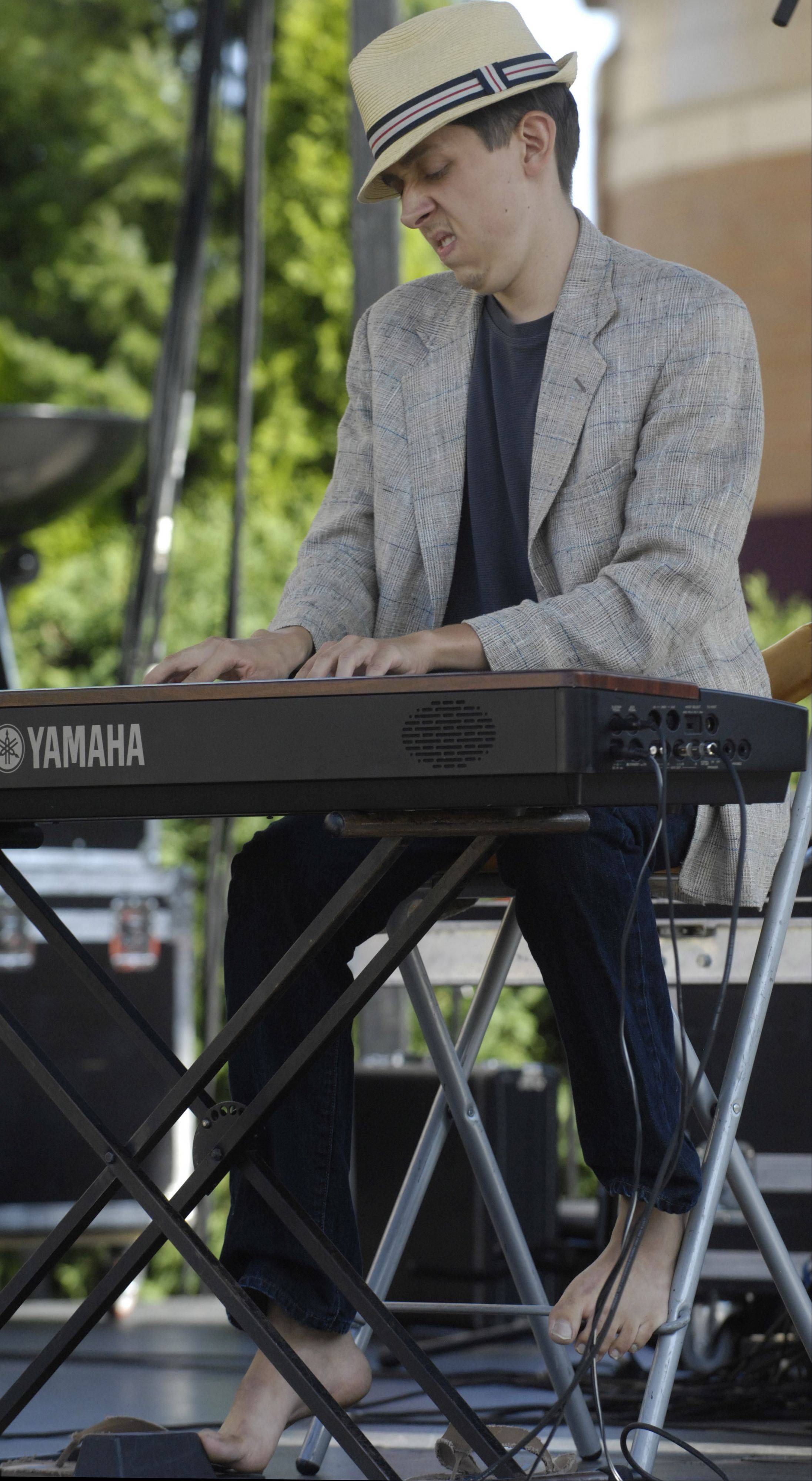 Pianist Robert Osiol of Mount Prospect performs during the Suburban Chicago's Got Talent finals Saturday at the Mane Event in downtown Arlington Heights.