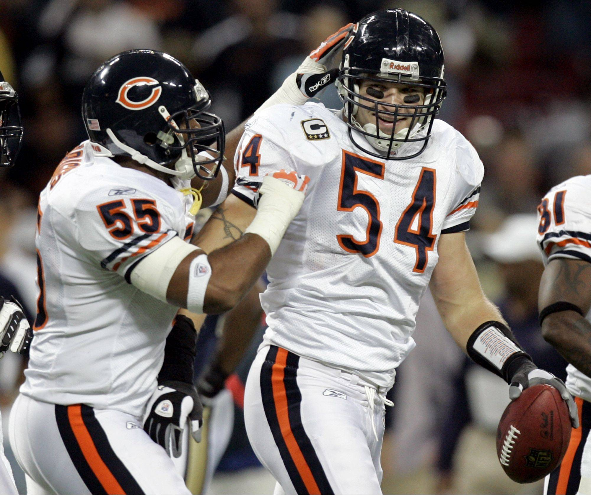Brian Urlacher's surgically repaired left knee has caused him to miss the last nine training camp practices.