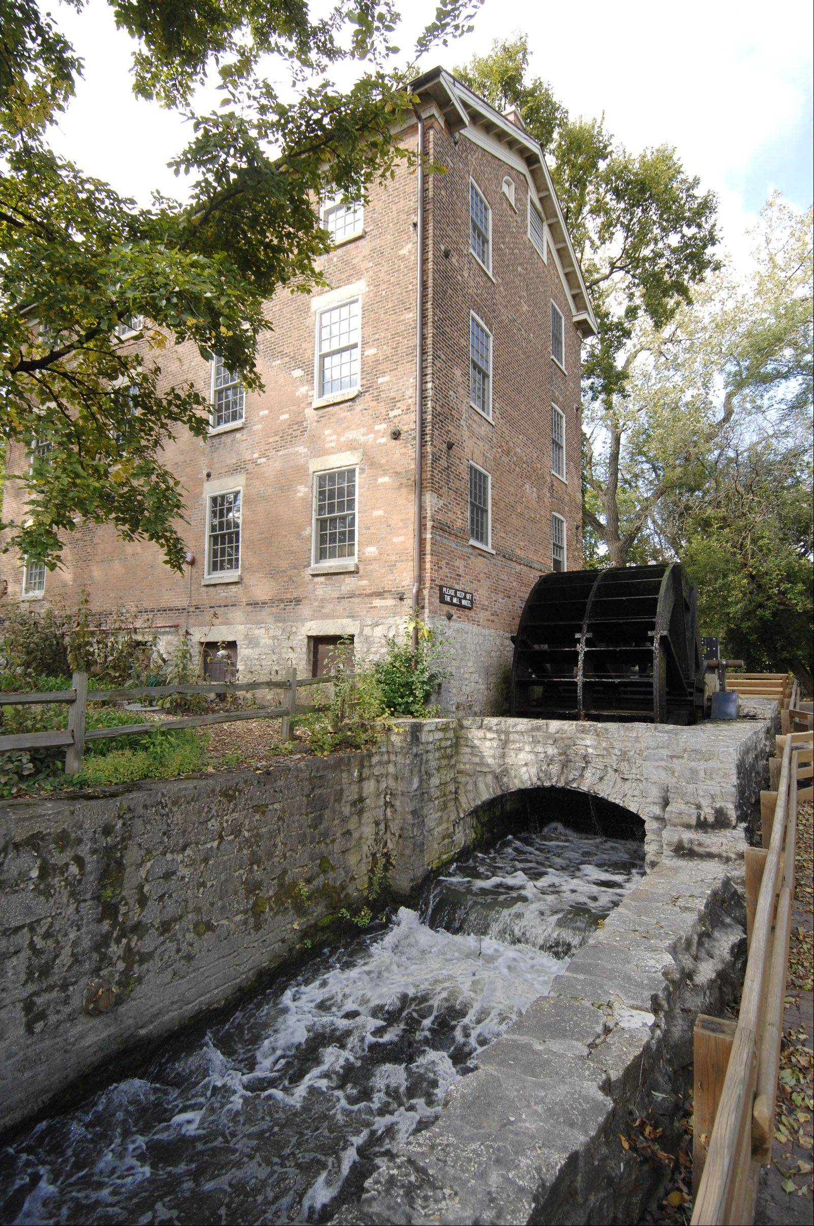 Graue Mill was built in 1859 and served as the corn mill for residents in the area. It continues to operate to this day, and is one of few mills left of its kind.