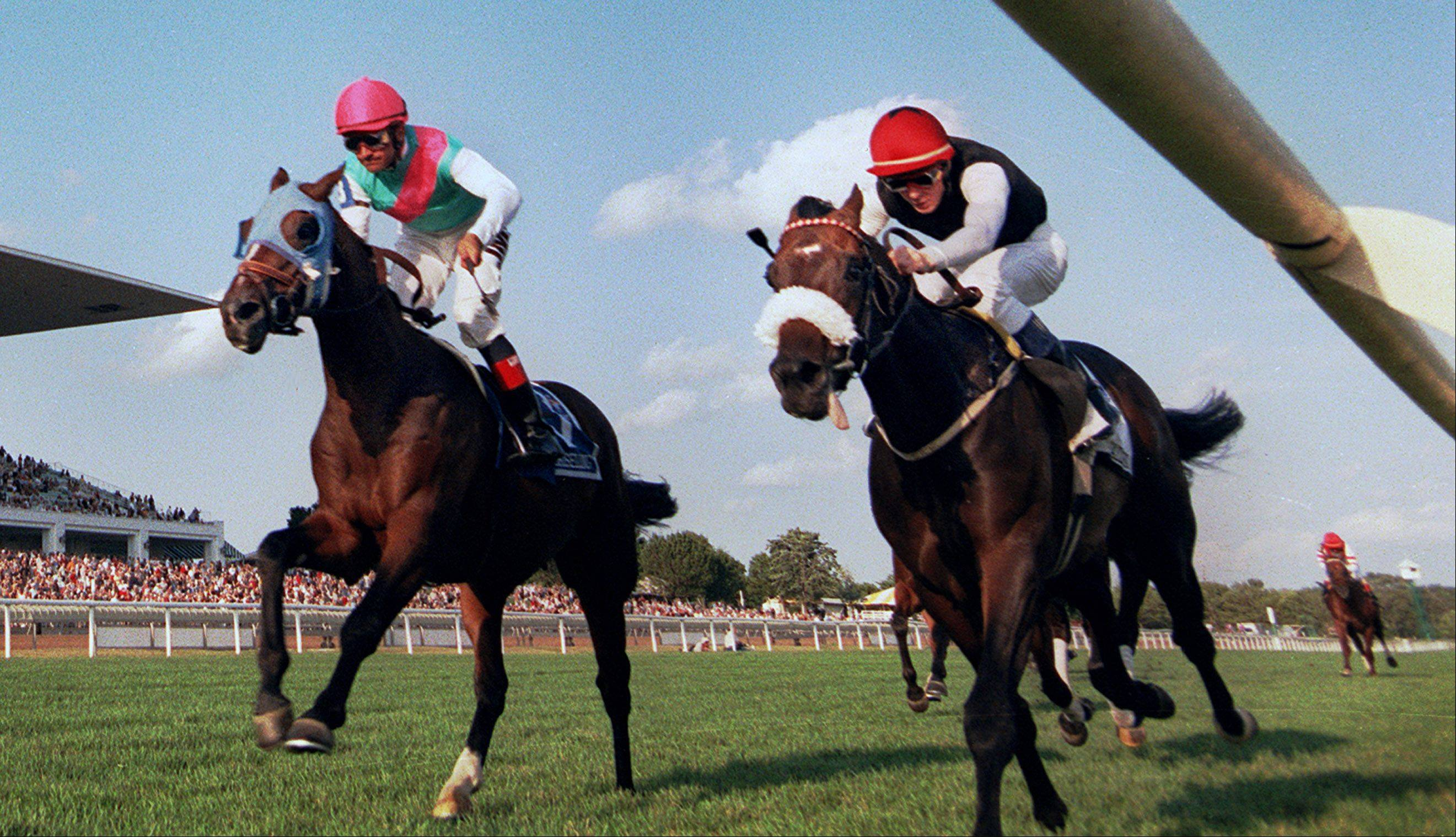 Chiselling left, and Jazz Beat right, to the finish in the Secretariat Stakes.