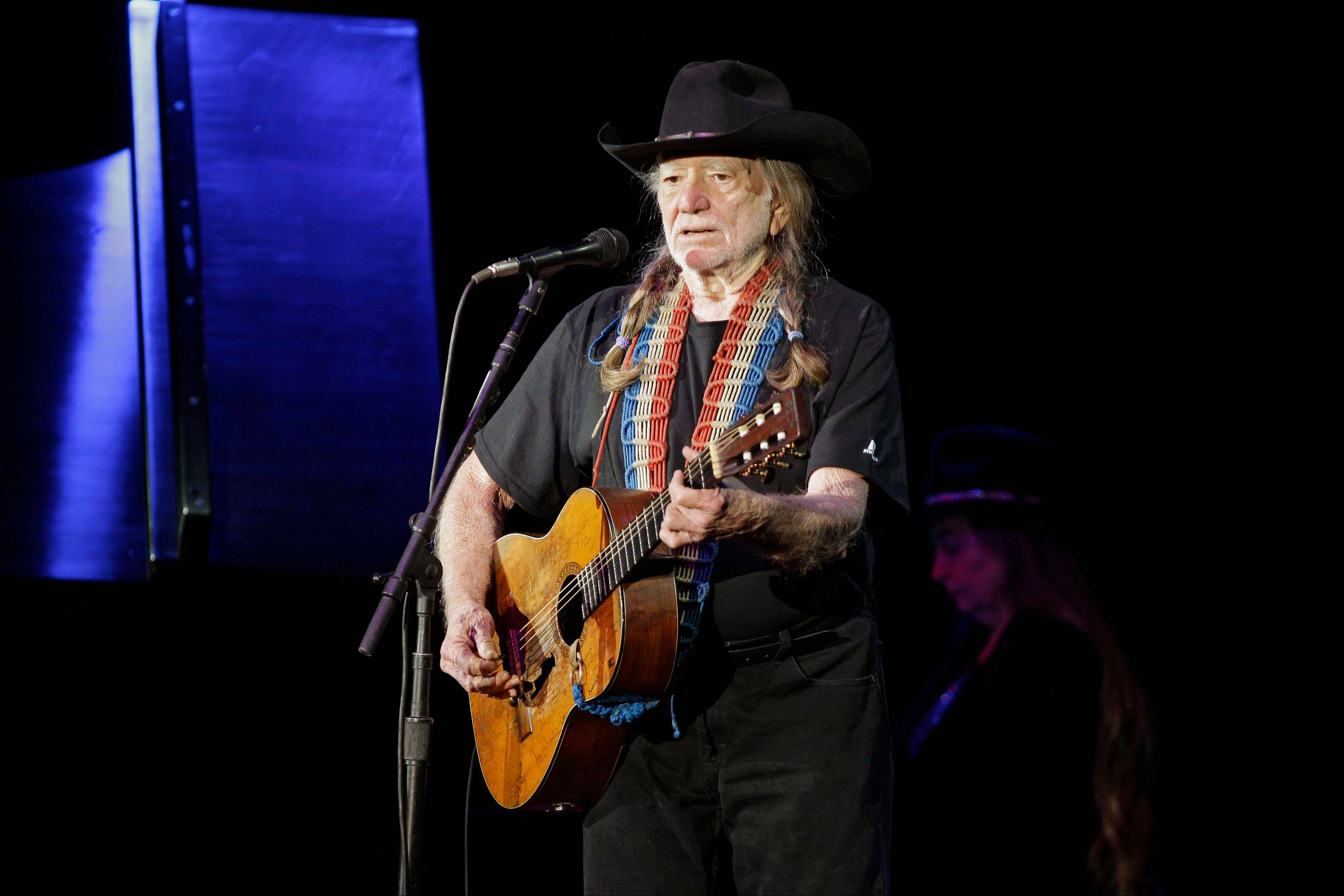 Organizers of a Colorado fundraiser say country music legend Willie Nelson canceled an appearance Saturday because of health problems.