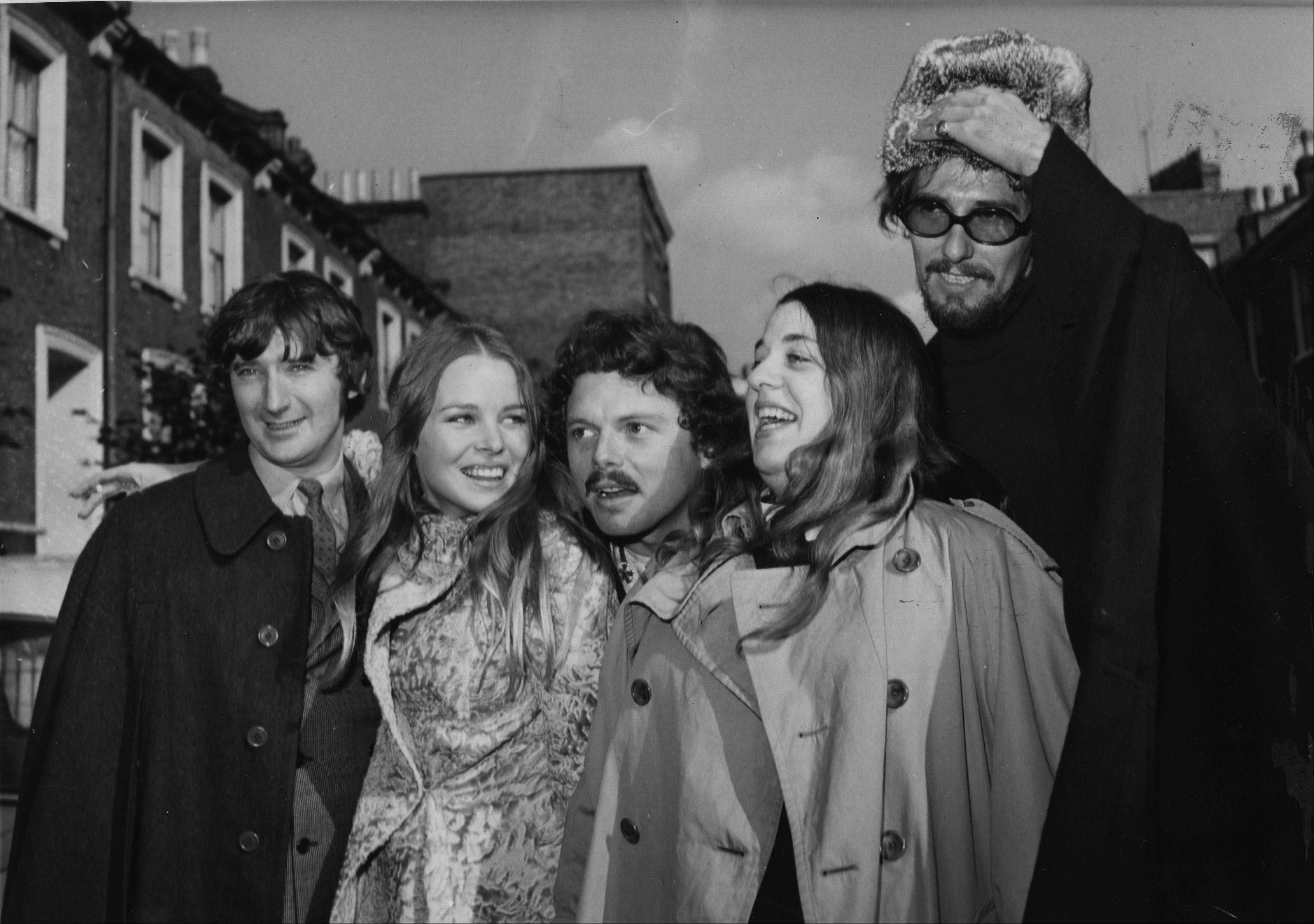 Scott McKenzie, center, poses with the Mamas and the Papas in London, from left, Denny Doherty, Michele Gillian, Scott McKenzie, Cass Elliott and John Phillips.