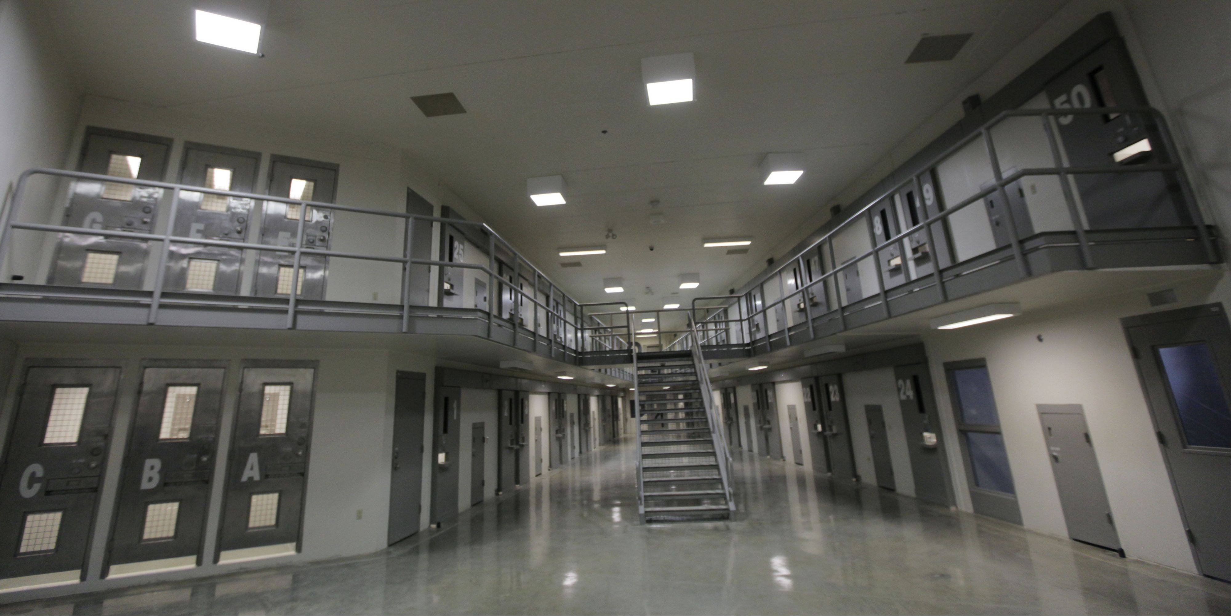 The federal Bureau of Prisons has been trying to arrange the purchase of Illinois' Thomson Correctional Center for years.
