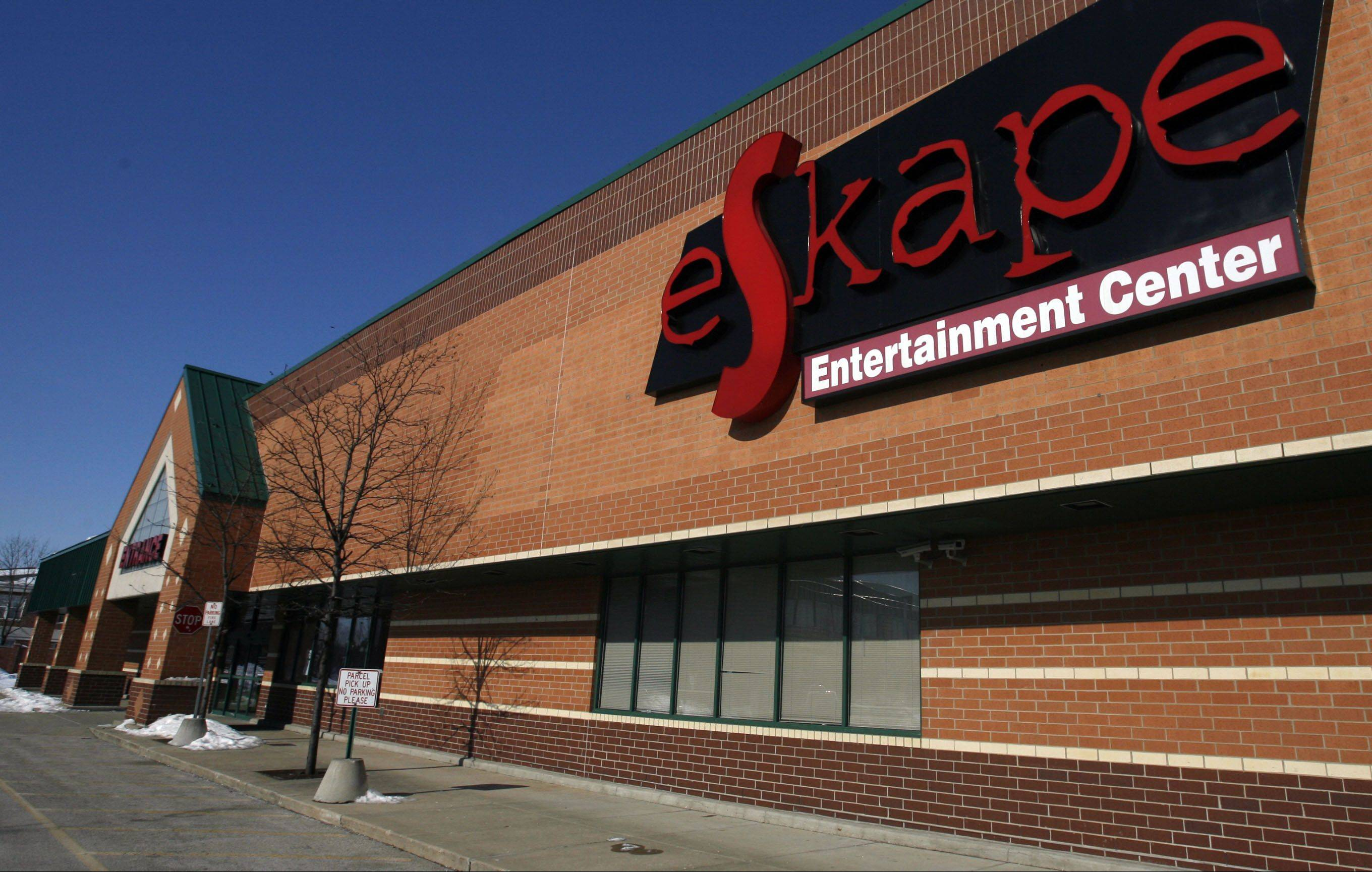 Brunswick is in talks to buy Buffalo Grove's eSkape bowling and entertainment center and convert it into a Brunswick Zone XL family entertainment center. A formal proposal is expected before the Buffalo Grove village board next month.
