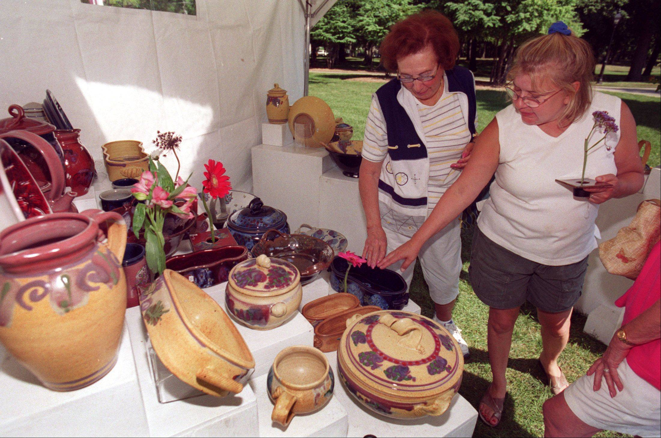 The Glen Ellyn Festival of the Arts takes center stage Saturday and Sunday at Lake Ellyn Park near downtown. In addition to more than 80 juried artists who will display everything from paintings to pottery to photography, the celebration caters to a wide range of musical tastes.