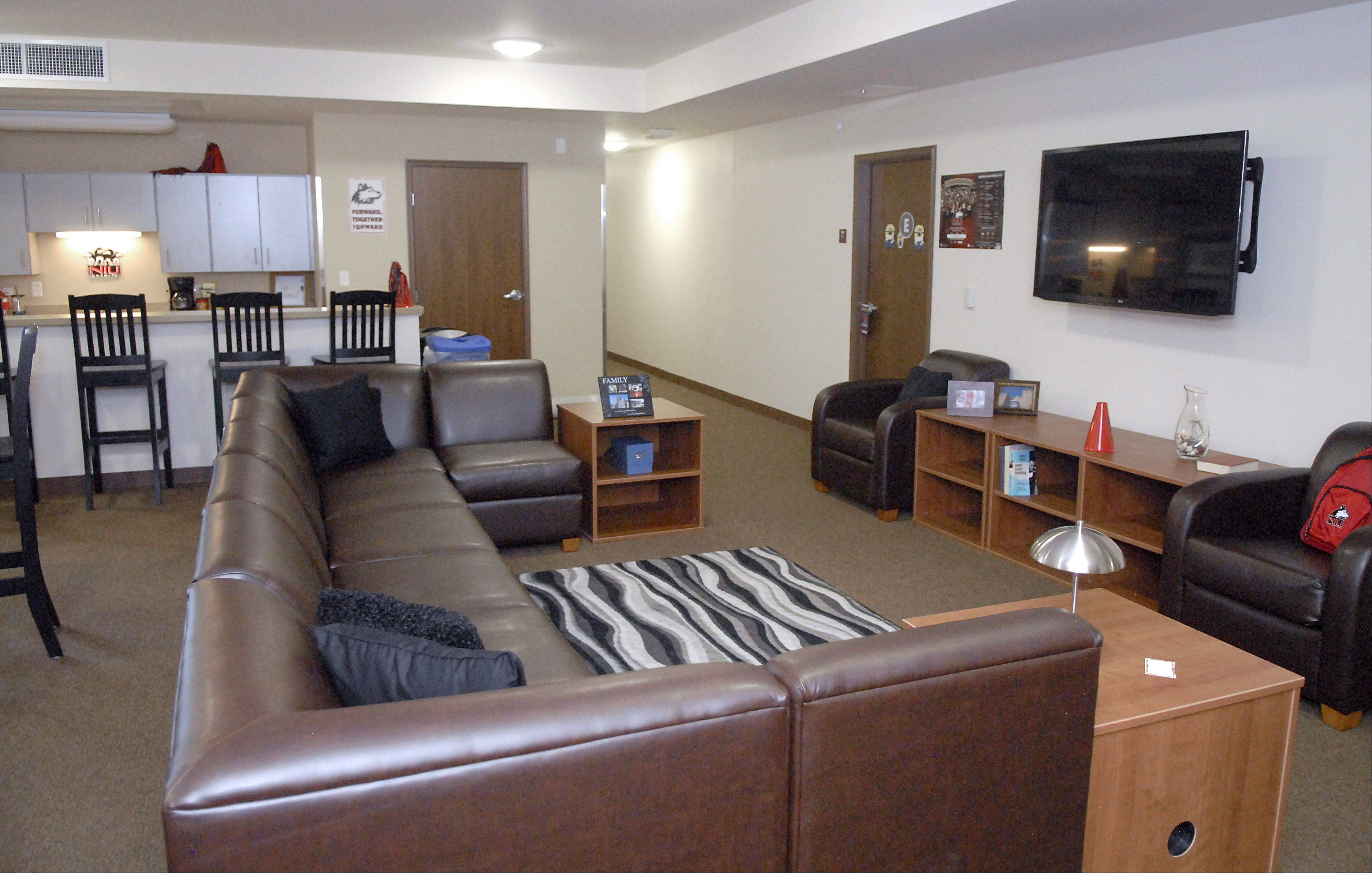 A Common Area Of One Of The New Dorm Rooms Was Offered For Tours On Move Part 84