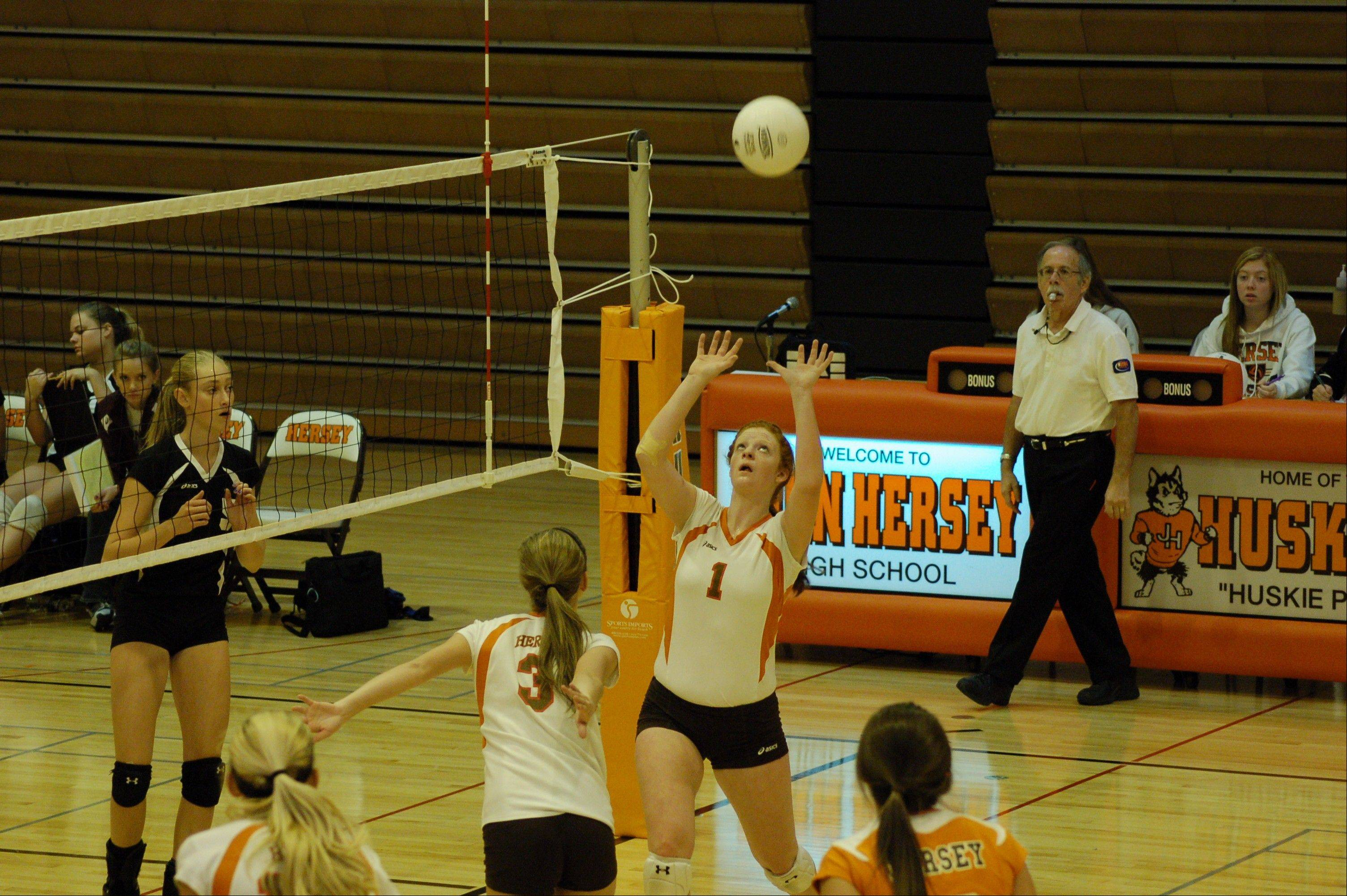 Abby Fesl's setting talents could help Hersey to another banner season.