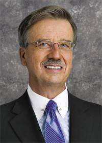 Navistar International Chairman, President and CEO Daniel C. Ustian is retiring from the company effective immediately, according to the company.