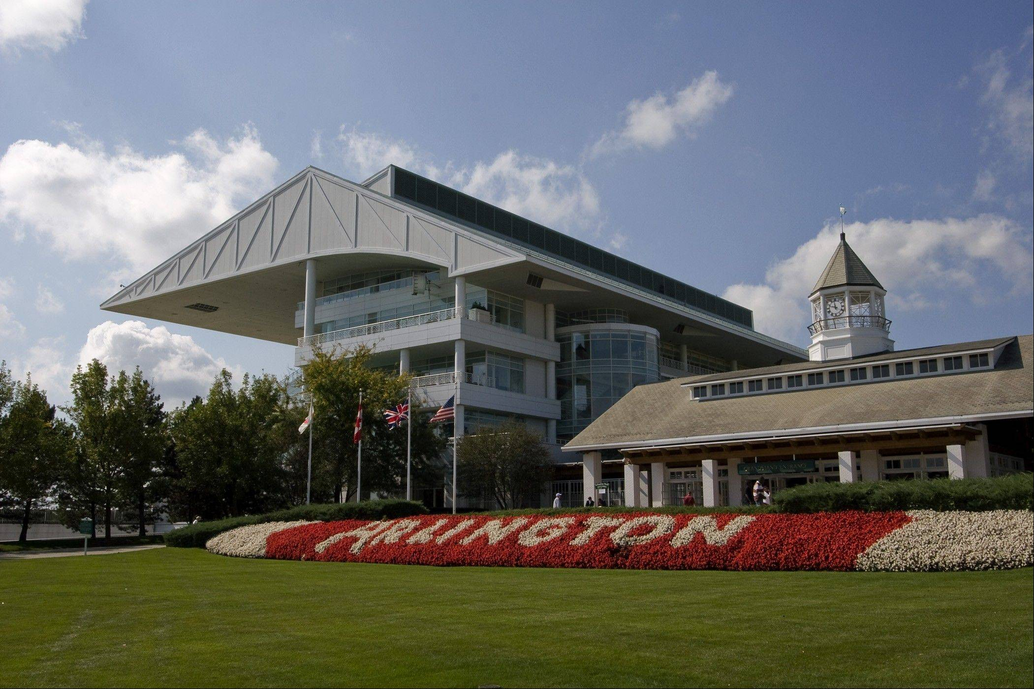 Gov. Pat Quinn's veto of a gambling bill stymied Arlington Park racetrack again in its attempt to gain approval for slot machines.