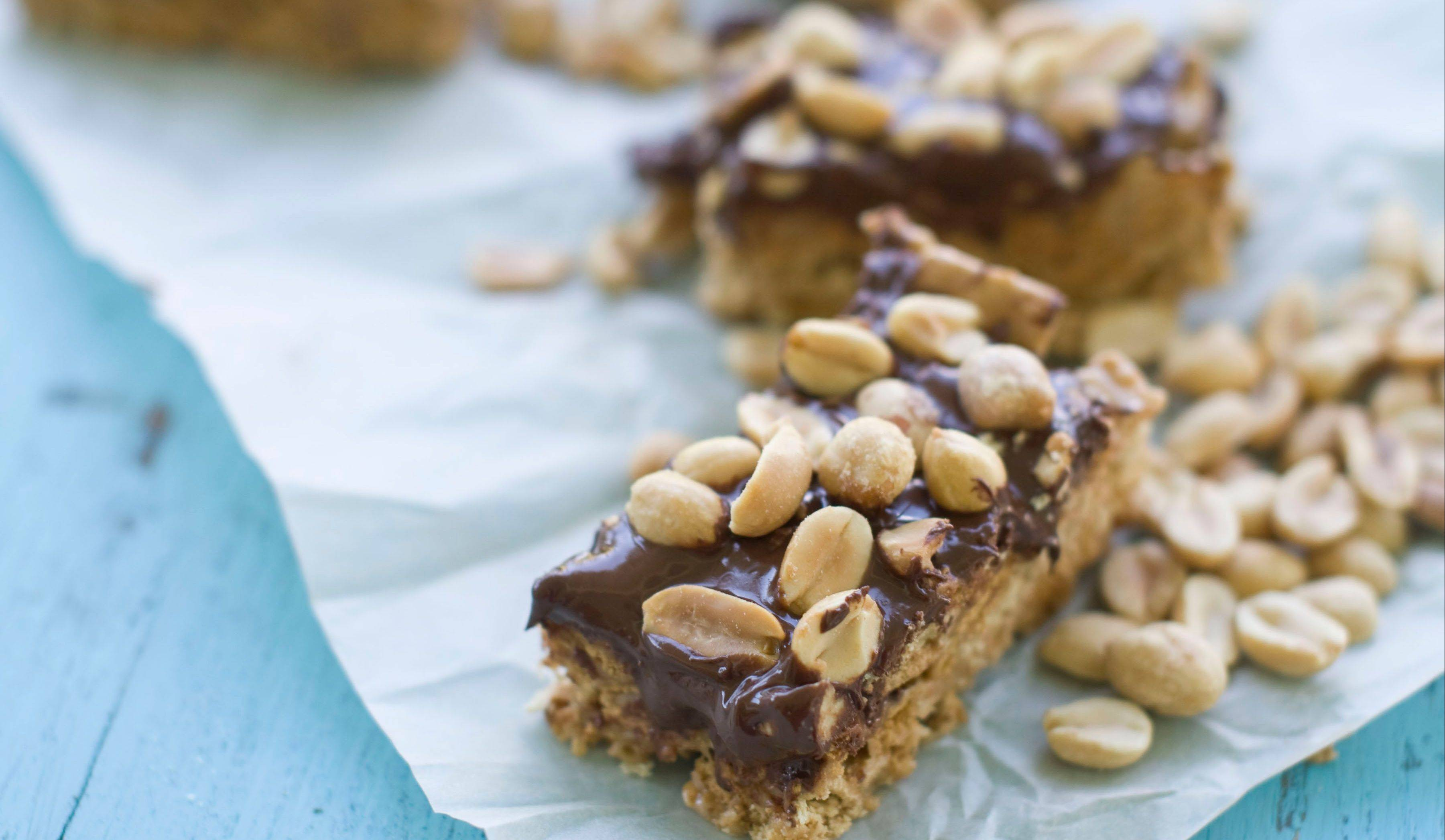 What could be better than a s'mores after school? Peanut Butter S'Mores Bars, of course.