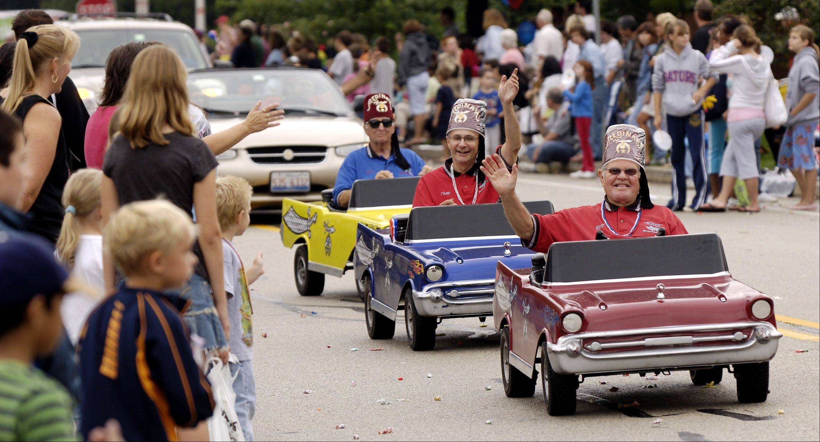 The West Suburban Shriners perform during the 2006 Schaumburg Septemberfest parade.