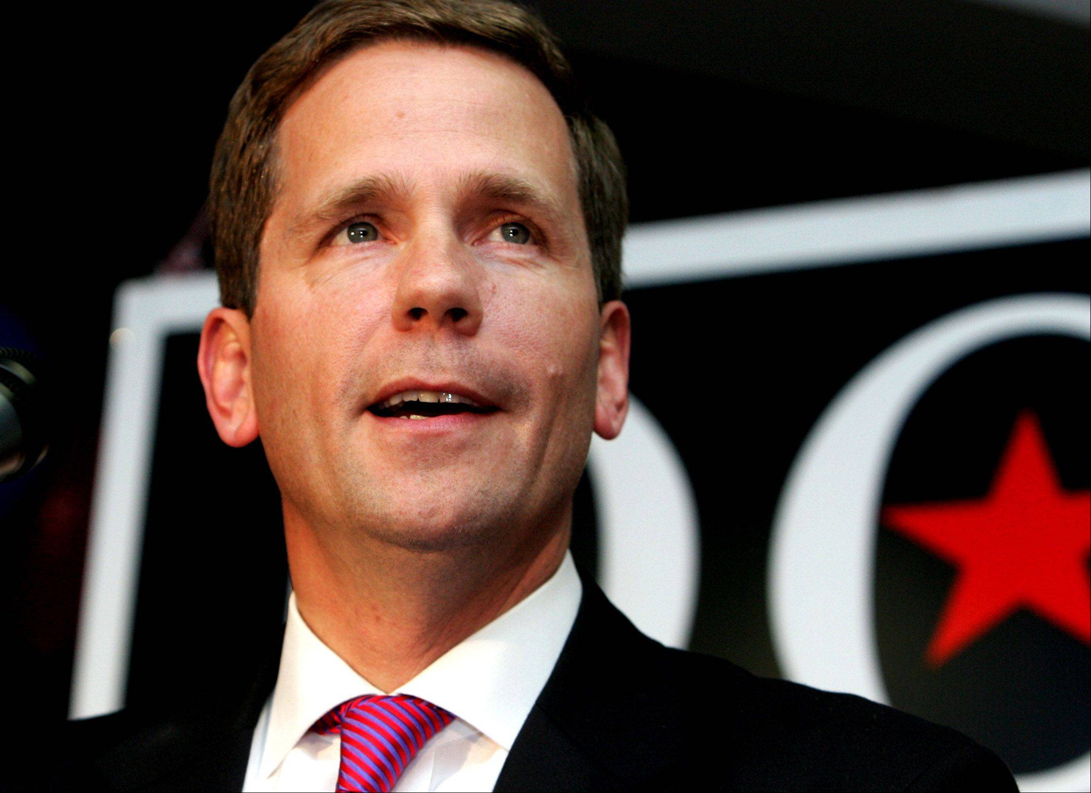 Kerry in Tampa: Dold seeks to redefine himself as independent Republican