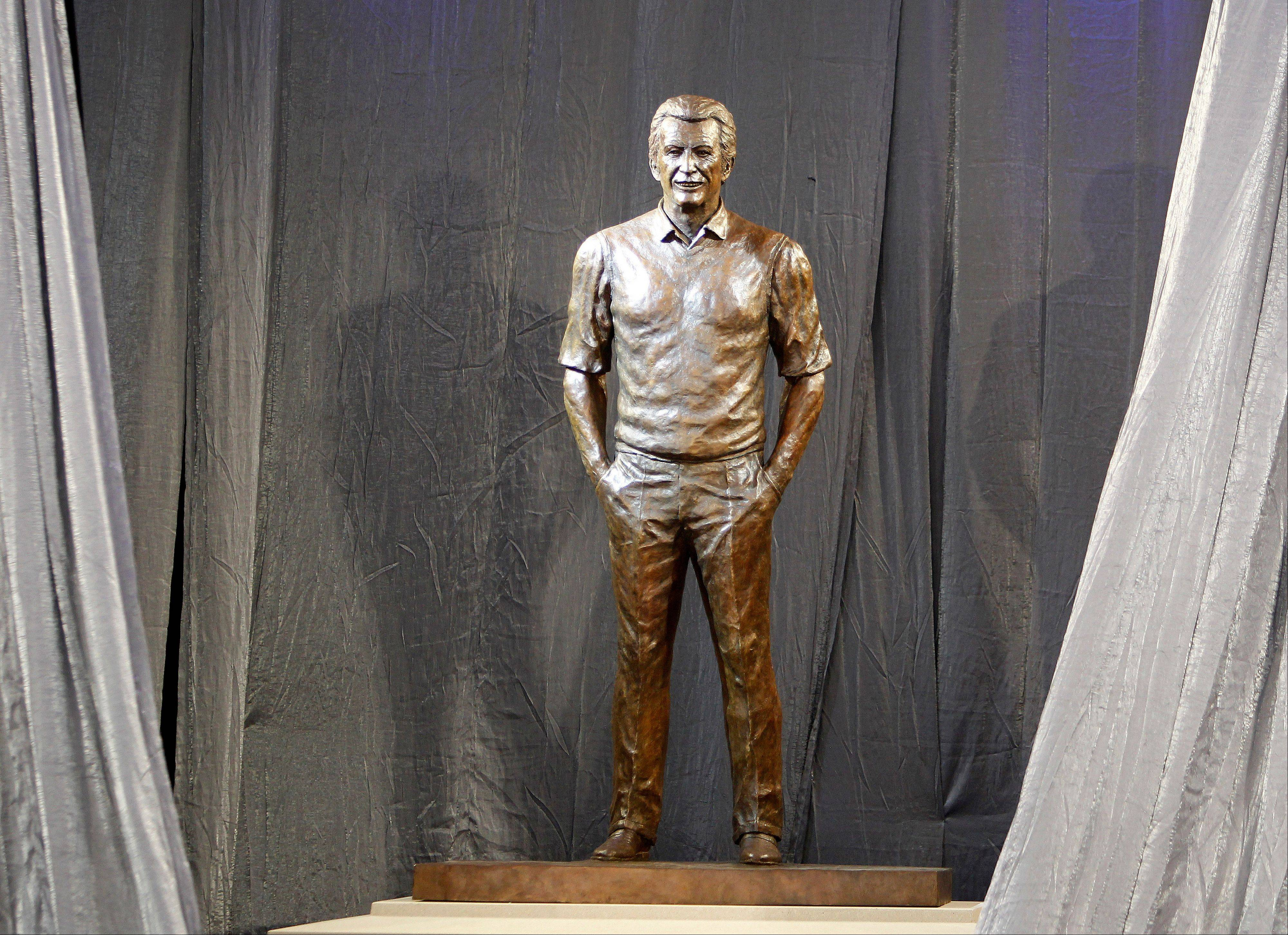 Uecker statue dedicated at Miller Park
