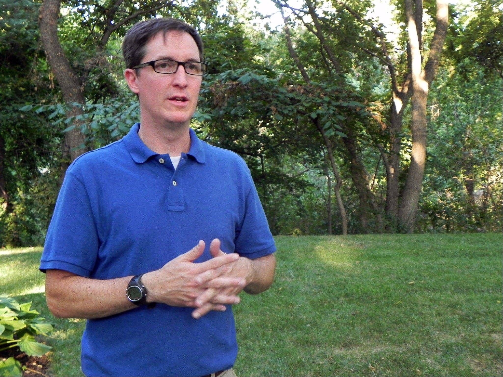 Brad Wolgast, Ph.D., of the University of Delaware, discusses sleep disorders and medication, in Topeka, Kan. As college students return to campus in the coming weeks, they'll be showered in the usual handouts of coupons, condoms, and credit cards. But some schools are also giving students what a growing body of research reveals could make a huge difference in their college careers: ear plugs, sleep shades and napping lessons.