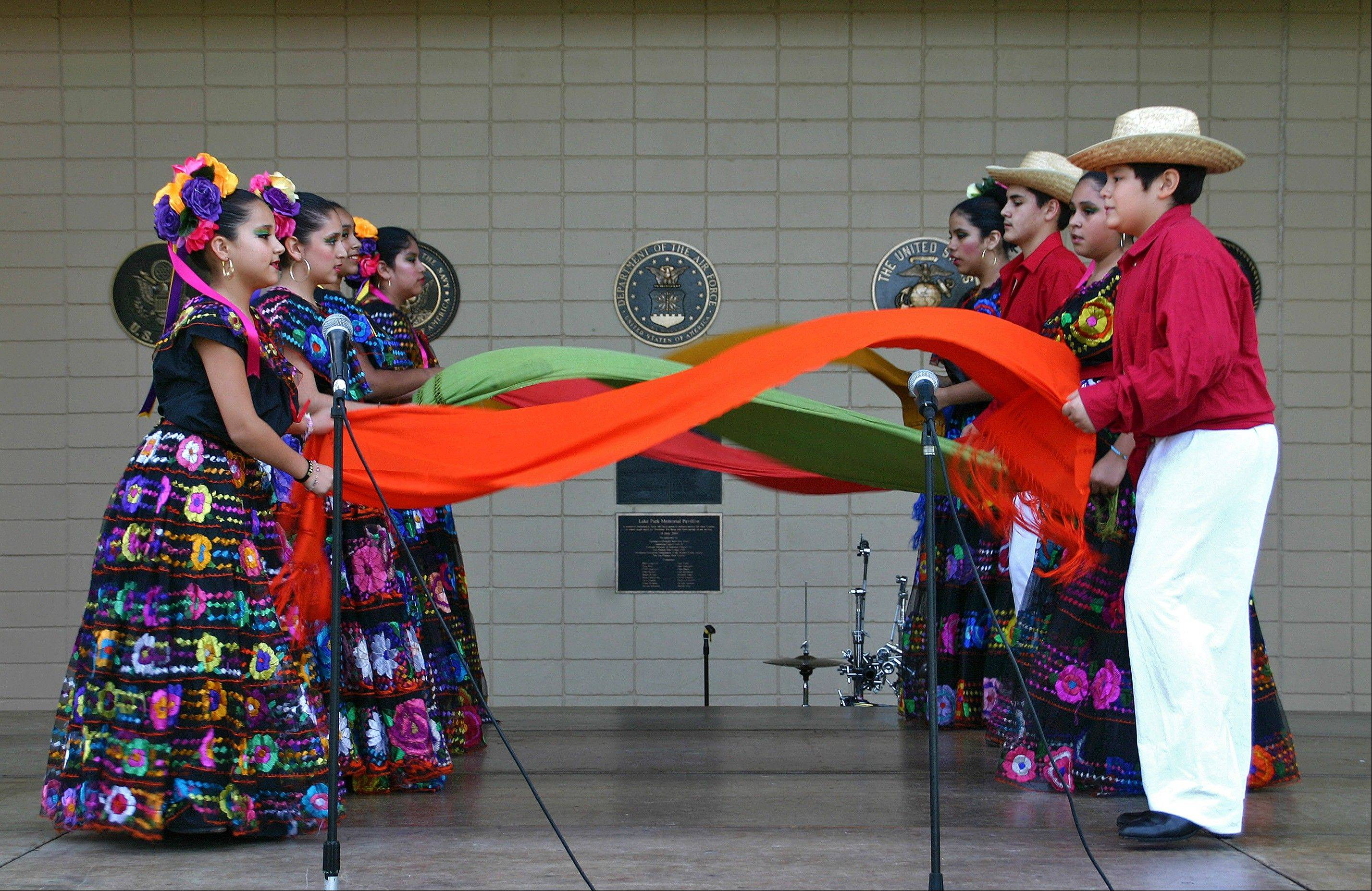 Ballet Sol Azteca will perform authentic Mexican dances in traditional costumes.