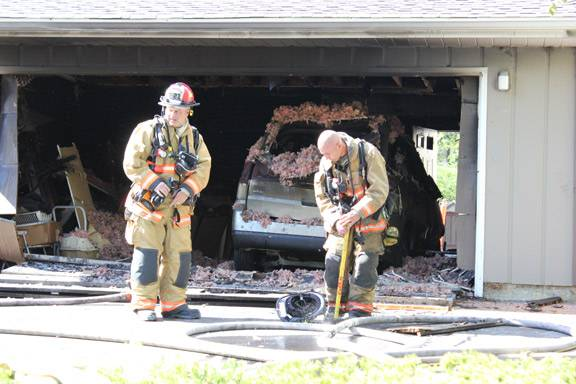Reader Robert Steinberg turned in these photos of garage fire Sunday in South Barrington.