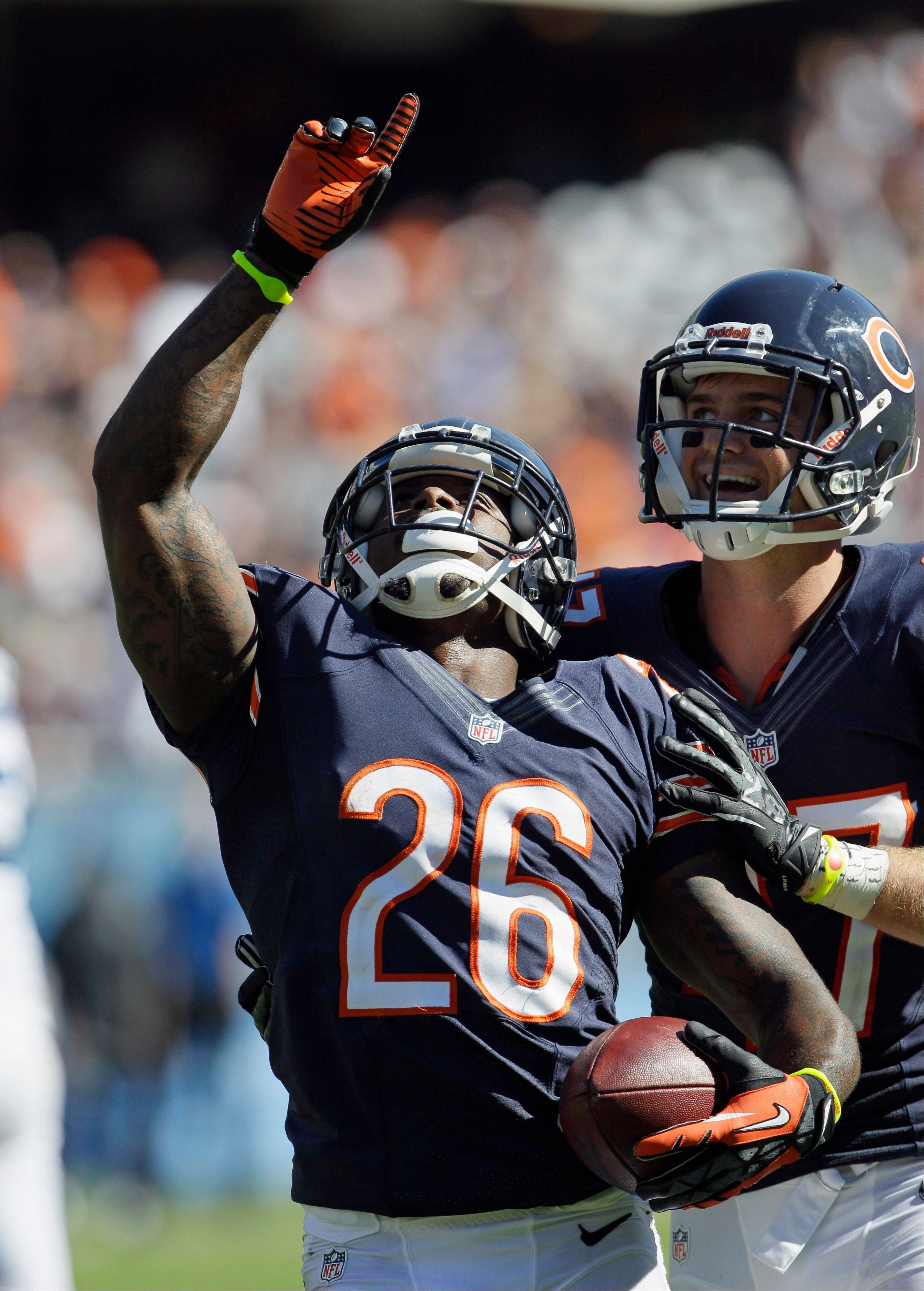 Tim Jennings picked off 2 passes during the Bears' win over the Colts on Sunday.