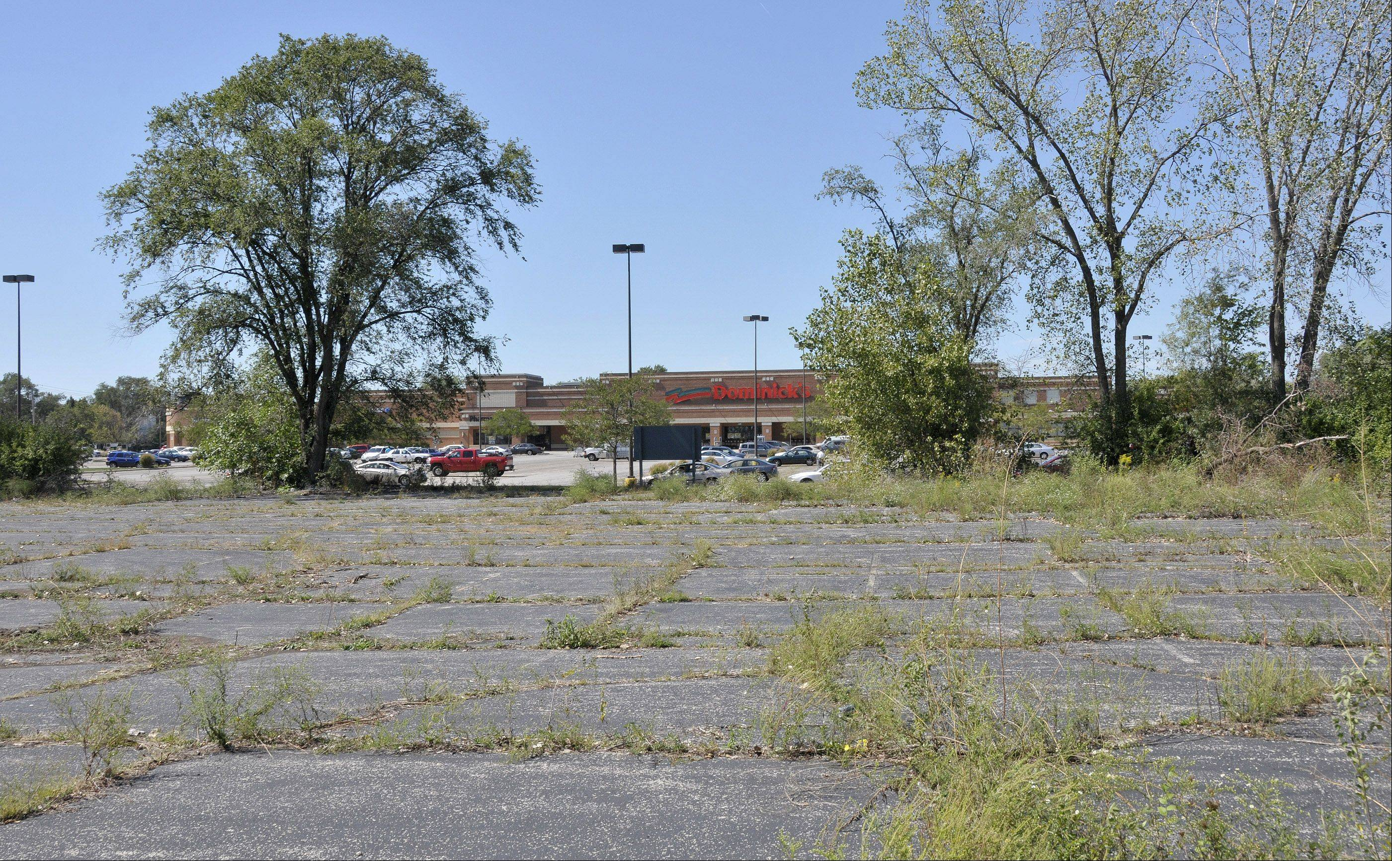 An abandoned parking lot near the northwest corner of Geneva Road and Main Street is at the heart of a dispute between Wheaton and Carol Stream. Carol Stream doesn't want the parking lot to be used for a self-storage facility so close to the Dominick's grocery store.
