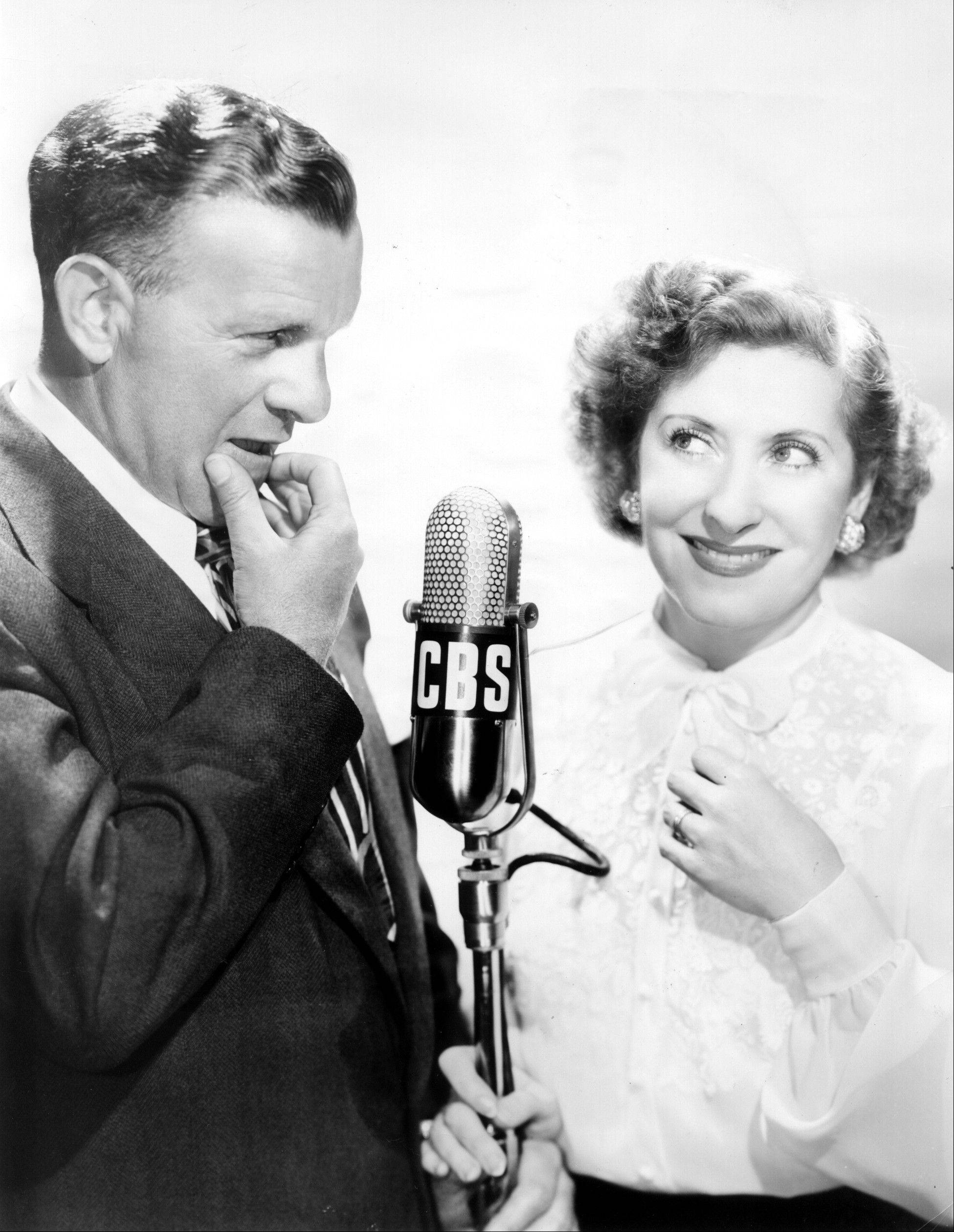 "Comedian George Burns and his wife, Gracie Allen, were among the popular radio stars in the golden age of radio. Carl Amari became friends with Burns, whom he described as his ""mentor."""