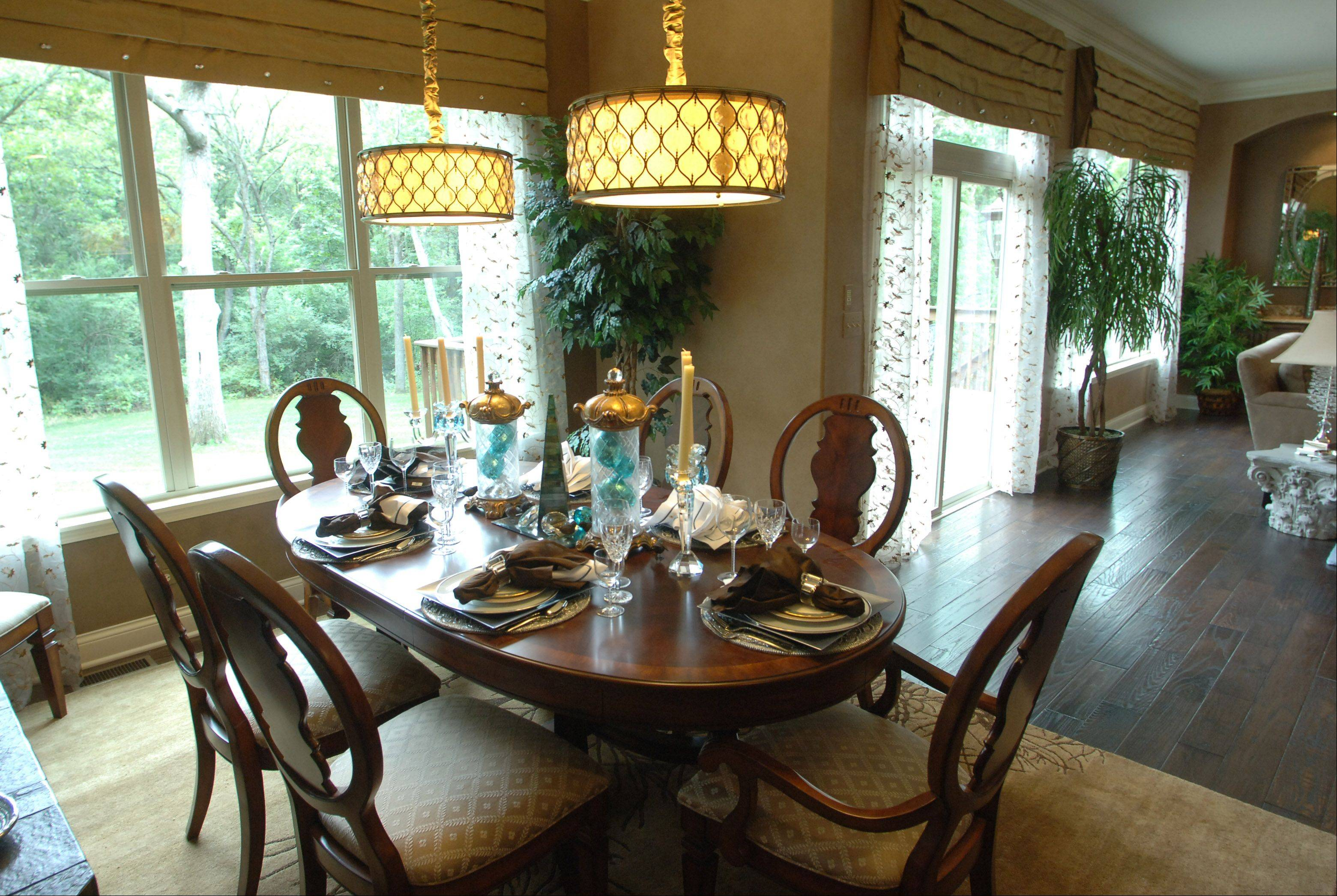 Dining area in the Sonoma model at Thousand Oaks in Spring Grove.