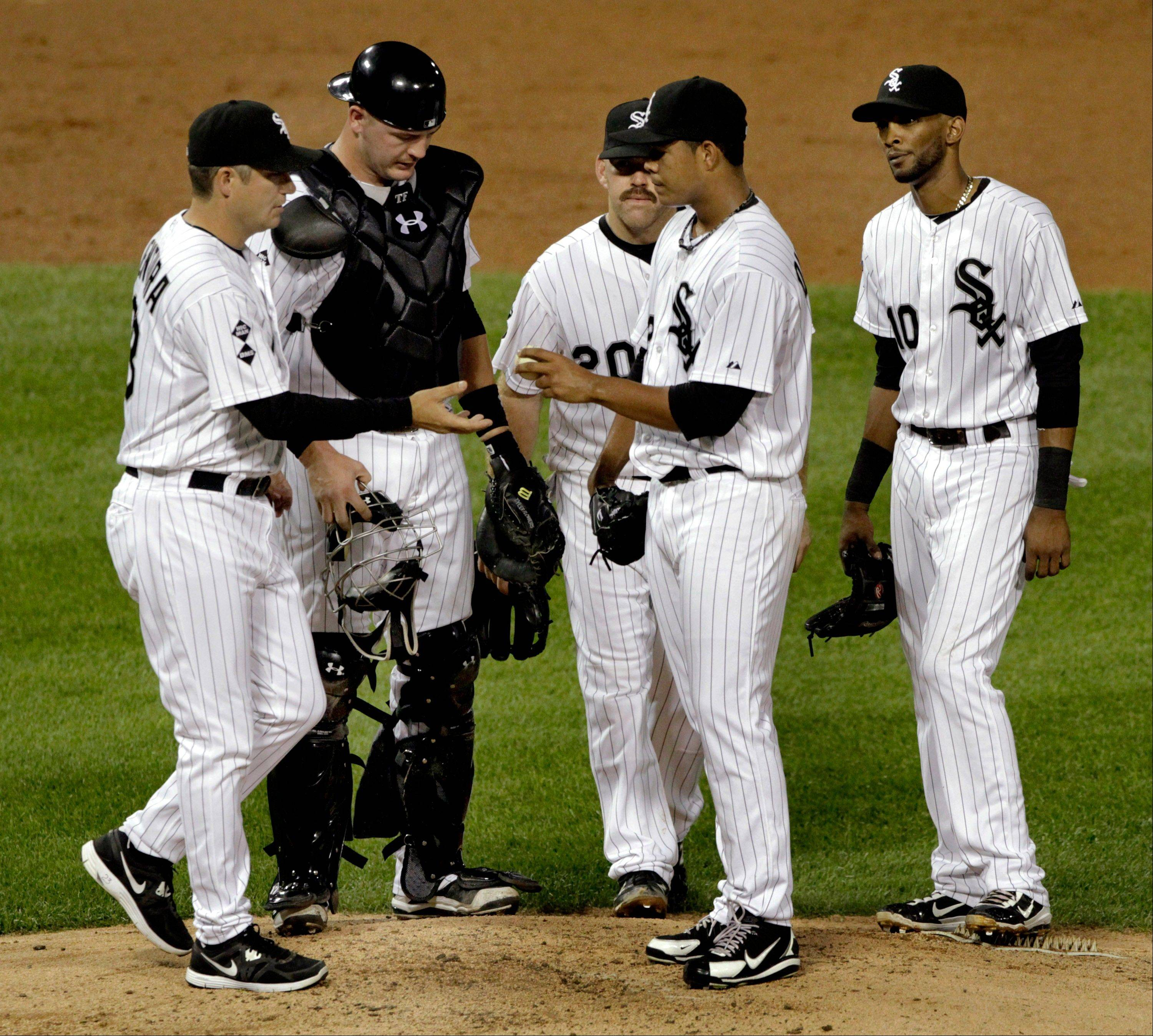White Sox manager Robin Ventura, left, has been busy in September, using an average of five pitchers a game compared to three per contest through August.