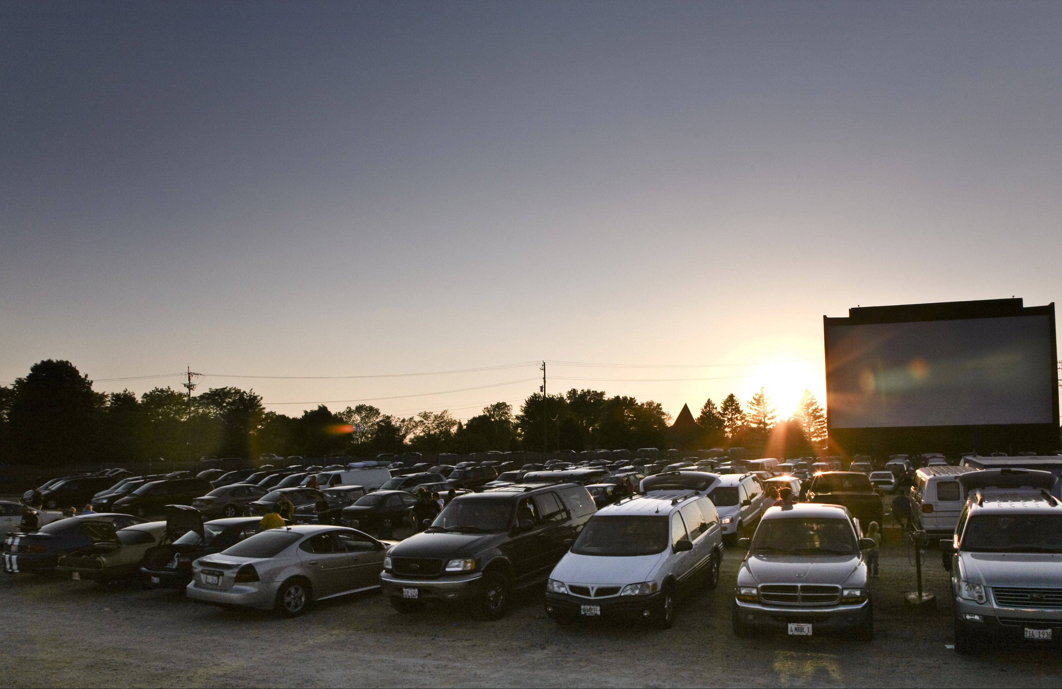McHenry drive-in holding fundraiser to go digital