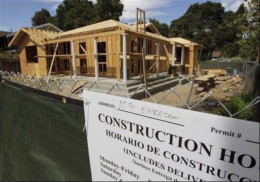 Confidence among U.S. homebuilders rose this month to its highest level in six years and many expect the housing recovery will strengthen in the next six months. The National Association of Home Builders/Wells Fargo builder sentiment index released Tuesday increased to 40 in September. That's up from 37 in August and the highest reading since June 2006, just before the housing bubble burst.