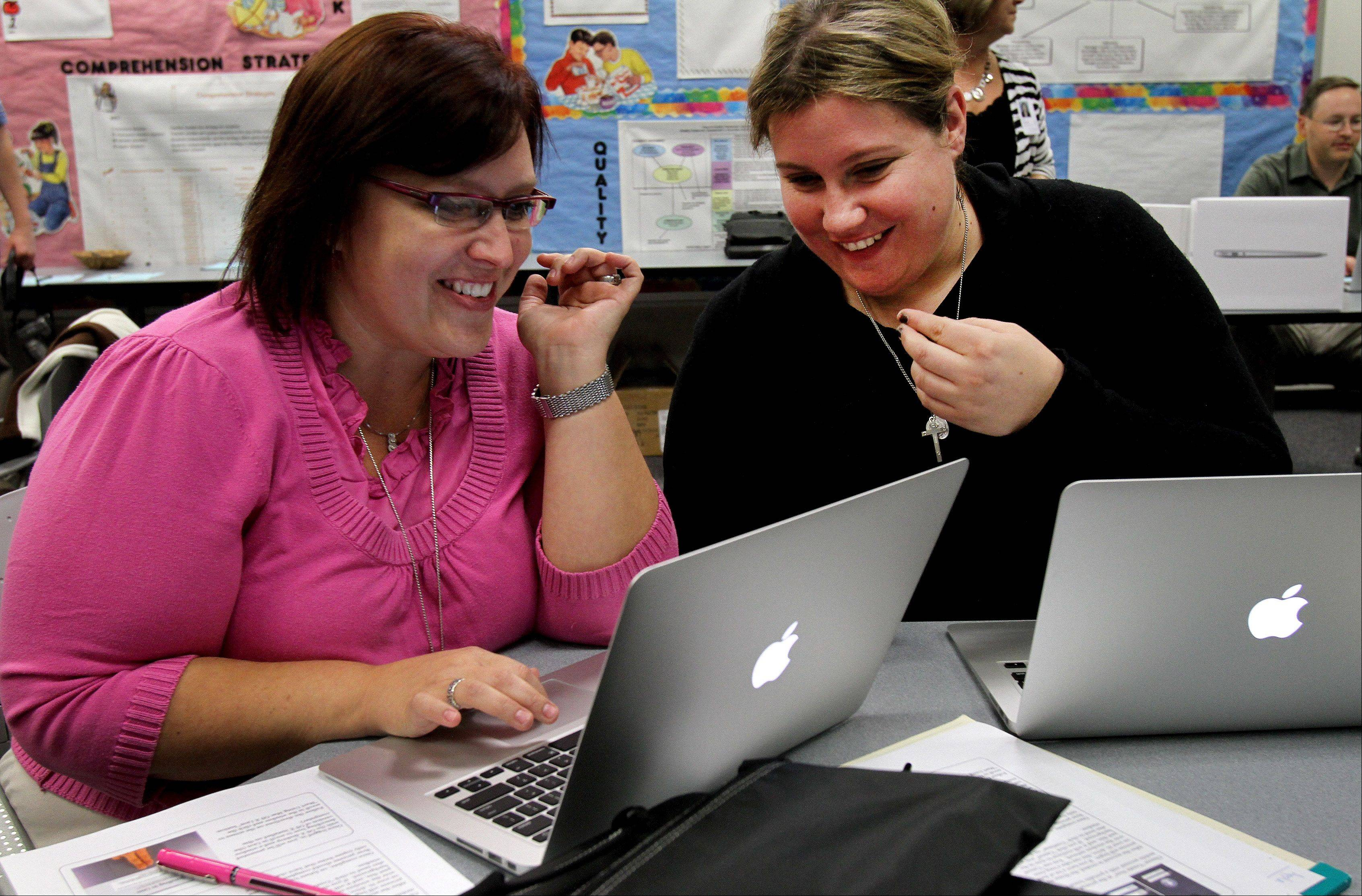 District 93 teachers get Apples to start school year