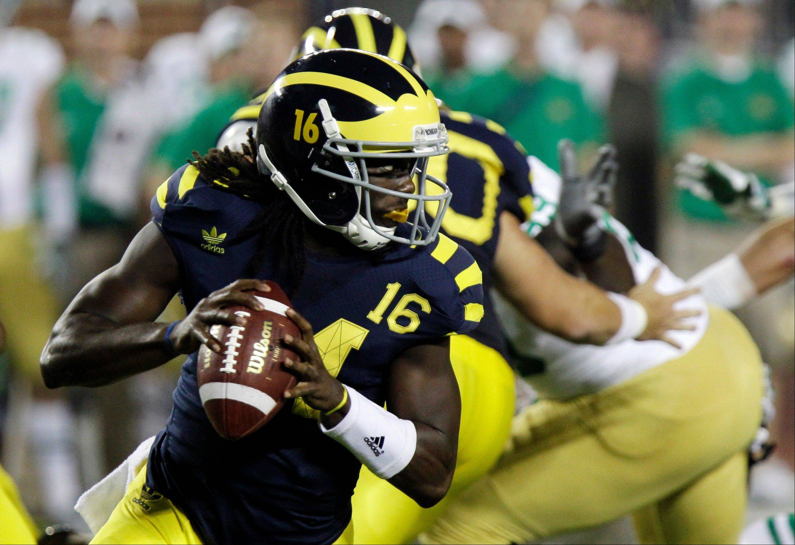 Michigan quarterback Denard Robinson has piled up 944 yards of total offense in his previous two games against Notre Dame.