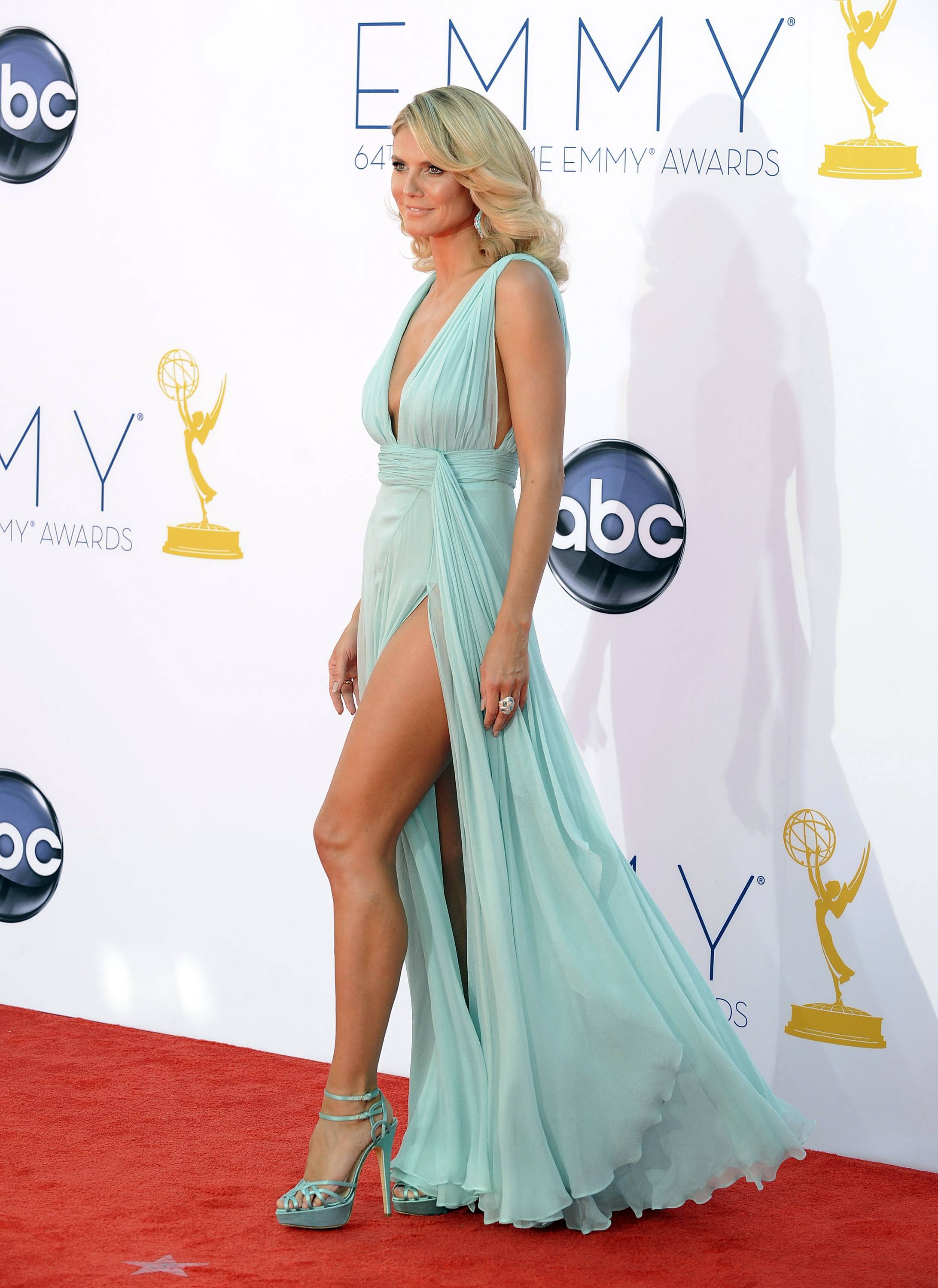 """Project Runway"" star Heidi Klum goes glam for Emmy night"