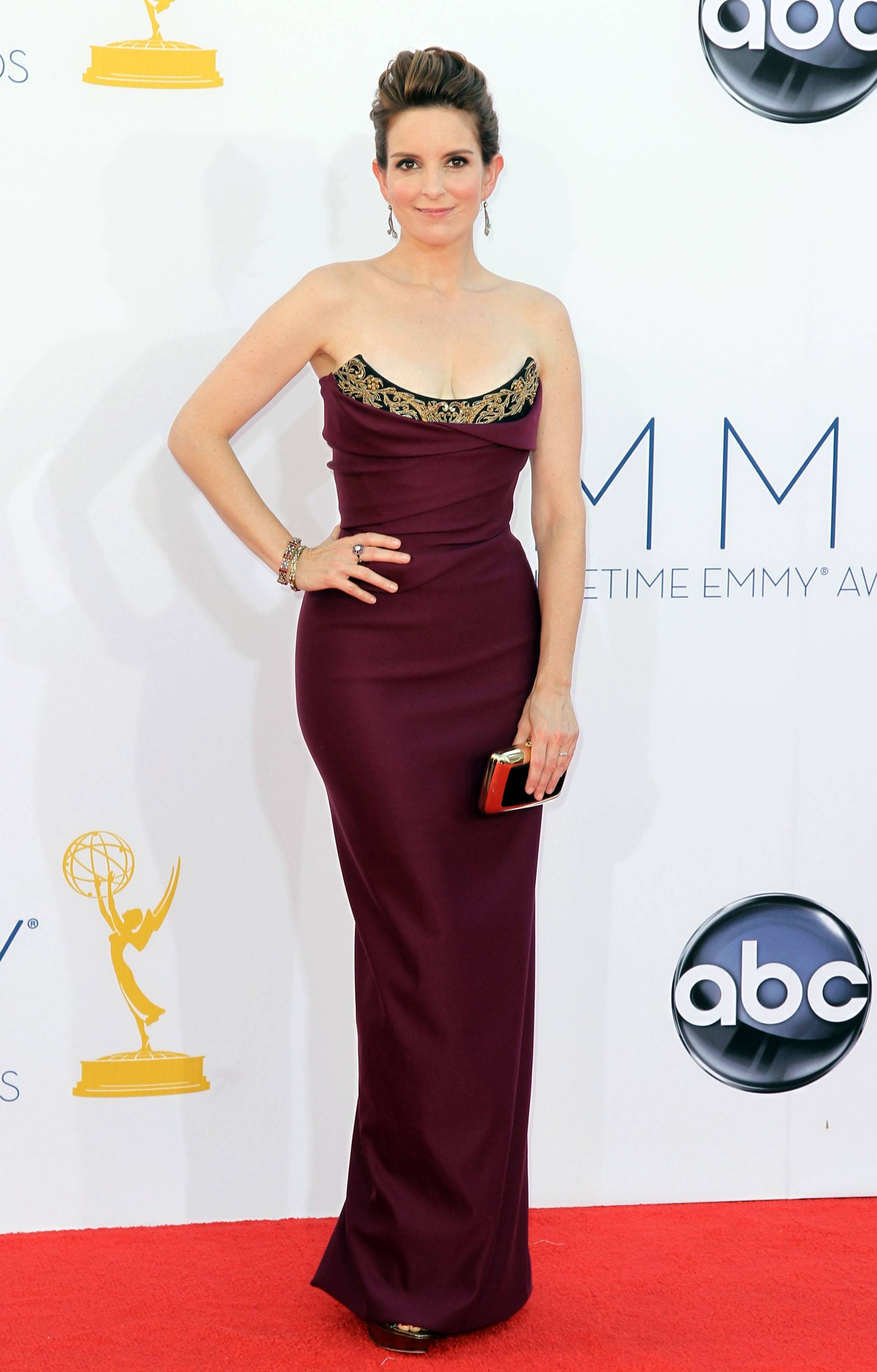 """30 Rock"" star Tina Fey looks less Liz Lemon and more movie siren in this elegant gown"